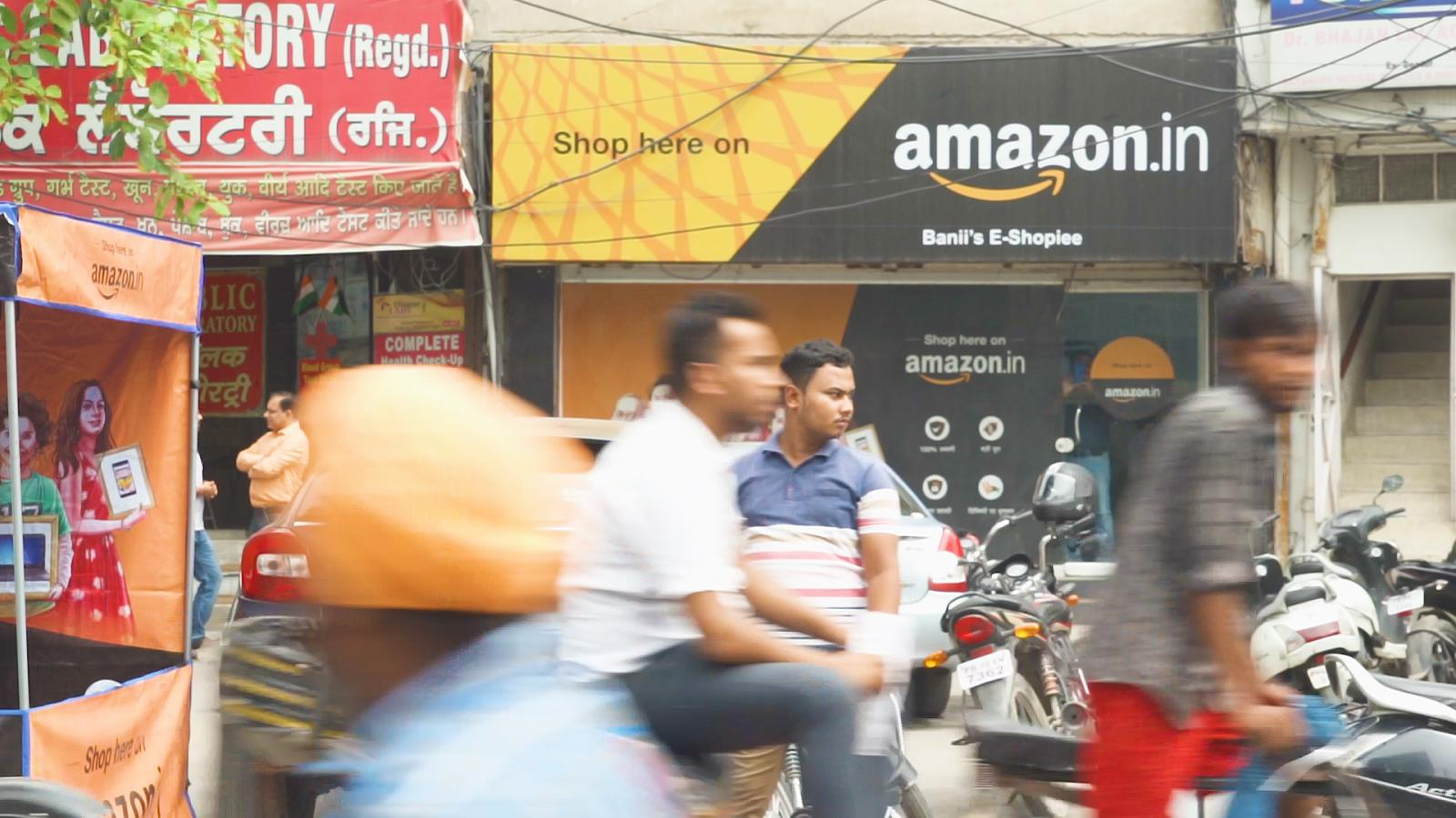 a8aa9c6f2bd Amazon India s stores and delivery network help it fight Flipkart ...