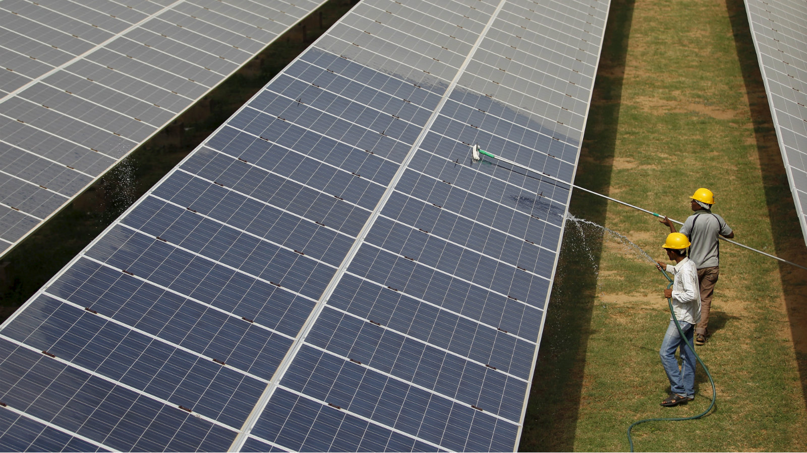 India is now a world leader in renewable energy — Quartz India