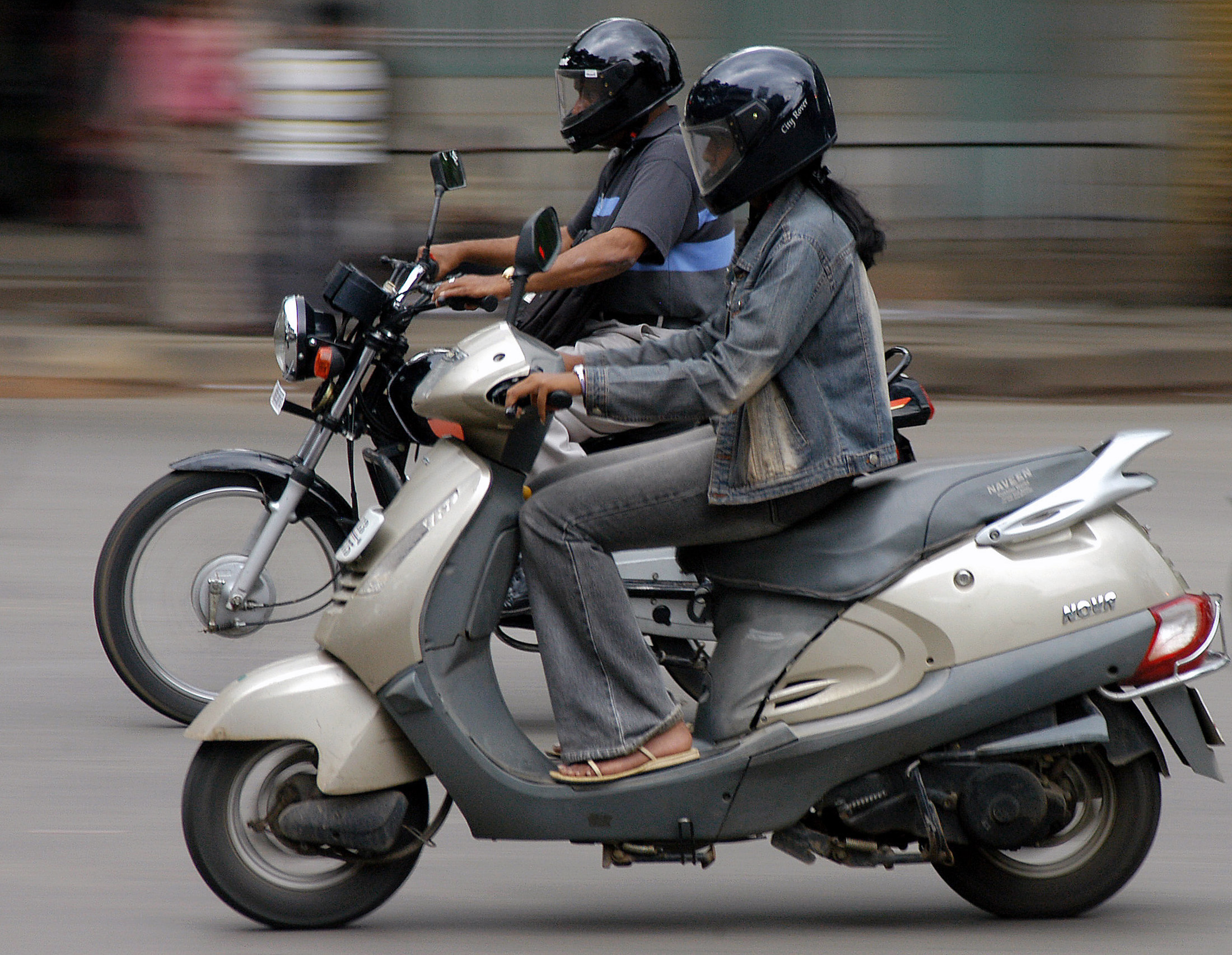 Uber, Ola, struggle to do a Gojek with bike-taxis in India