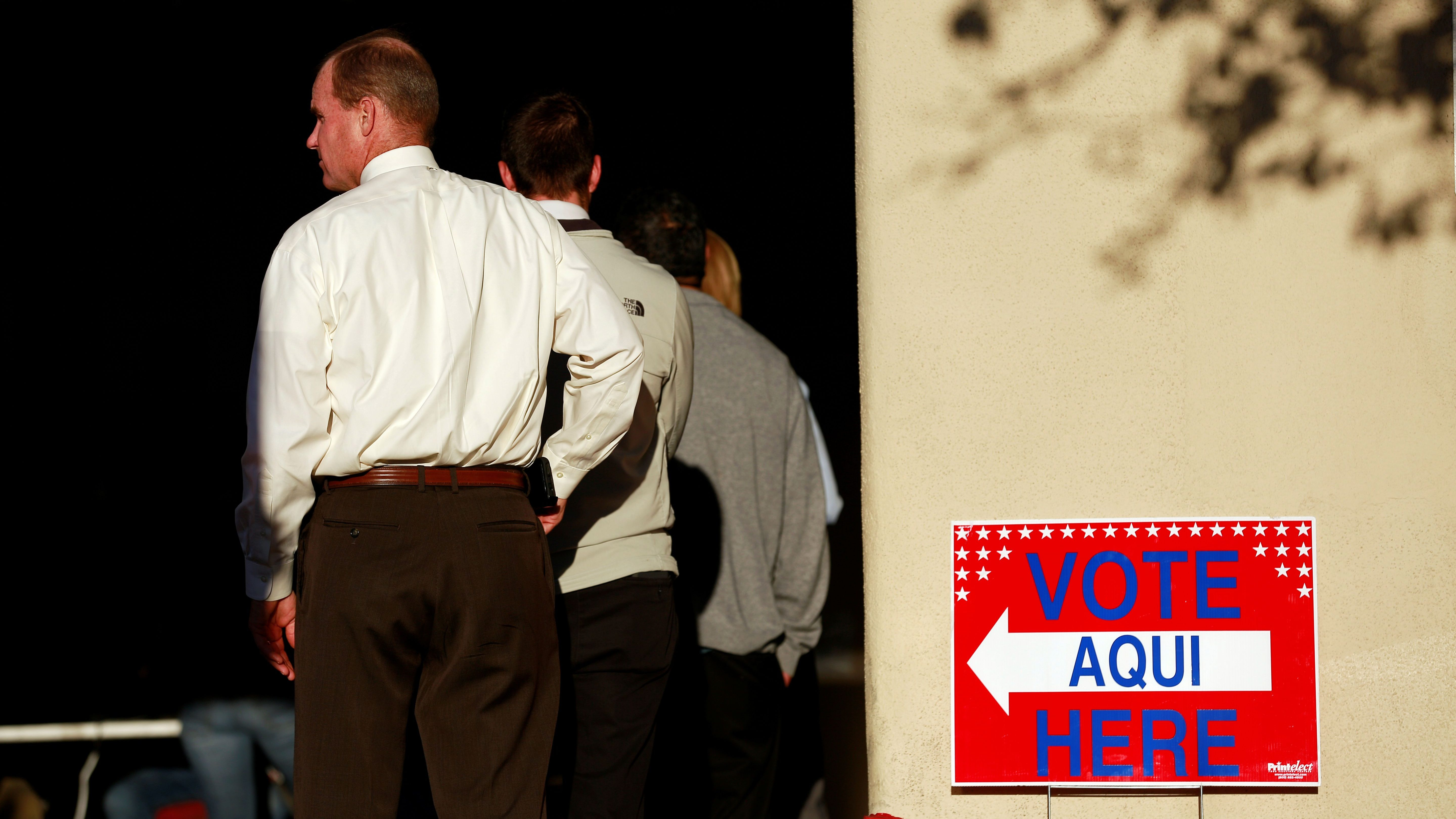 Voters make their way to the polling stations to cast their votes for the midterm elections in El Paso, Texas, U.S. November 6, 2018.