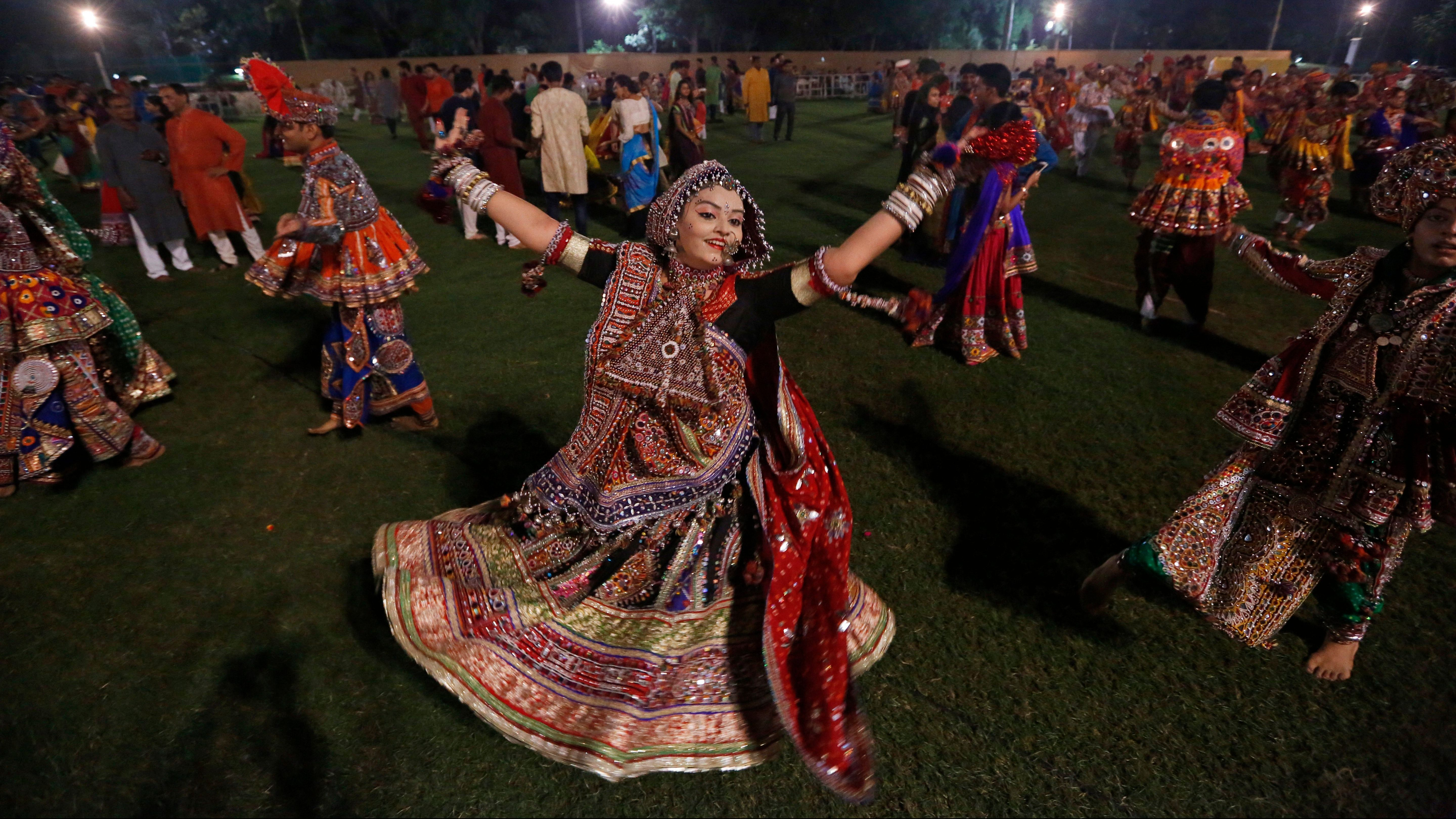 Christmas Garba Is A Real Thing In India S Gujarat Quartz India