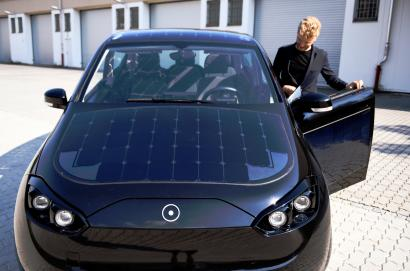 Are cars with solar panel roofs efficient? — Quartz Solar Panels On Electric Cars on nissan solar panels, jeep solar panels, automotive solar panels, clear solar panels, business solar panels, recycling solar panels, rv solar panels, mitsubishi solar panels, water solar panels, elon musk solar panels, solar solar panels, golf cart solar panels, design solar panels, anime solar panels, van solar panels, mini solar panels, fisker solar panels, ford solar panels, boat solar panels, tesla solar panels,