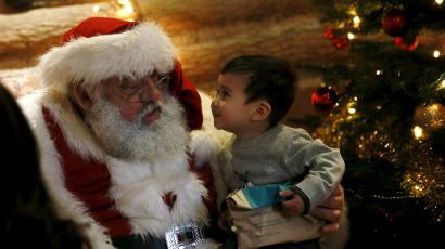 Wider Image: Santa Claus is coming to town
