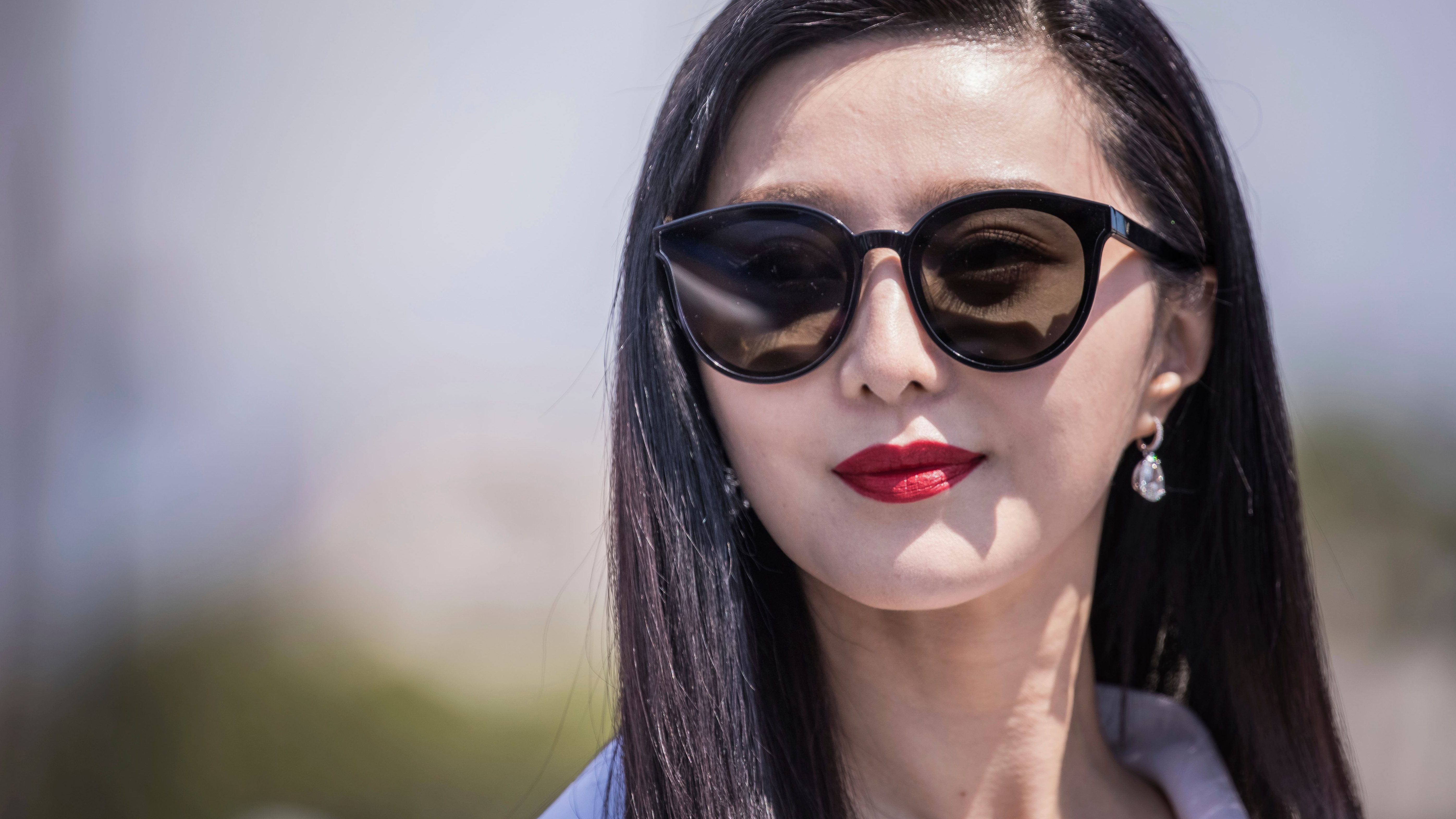 Actress Fan BingBing poses for photographers during a photo call for the film '355' at the 71st international film festival, Cannes, southern France, Thursday, May 10, 2018. (Photo by Vianney Le Caer/Invision/AP)
