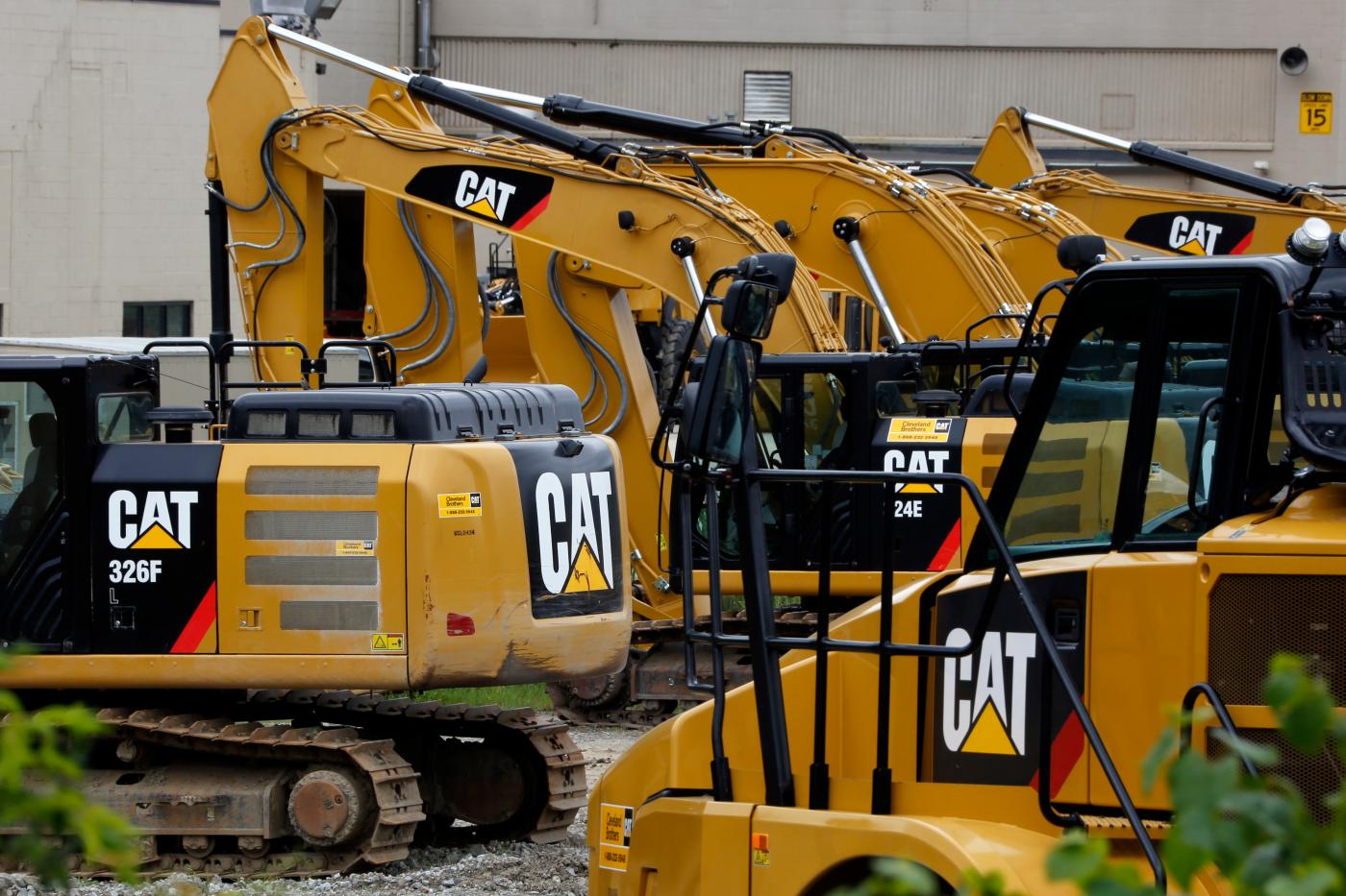 Caterpillar posts disappointing earnings, blaming China's