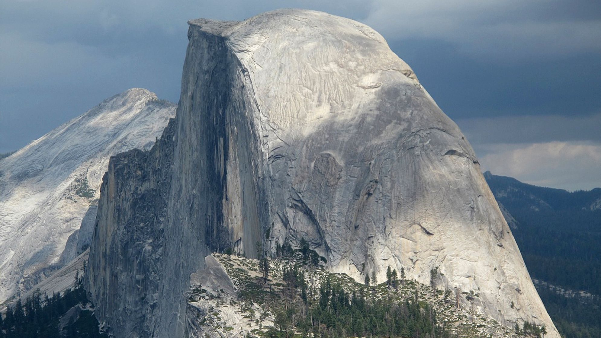 An image of the Half Dome at Yosemite.
