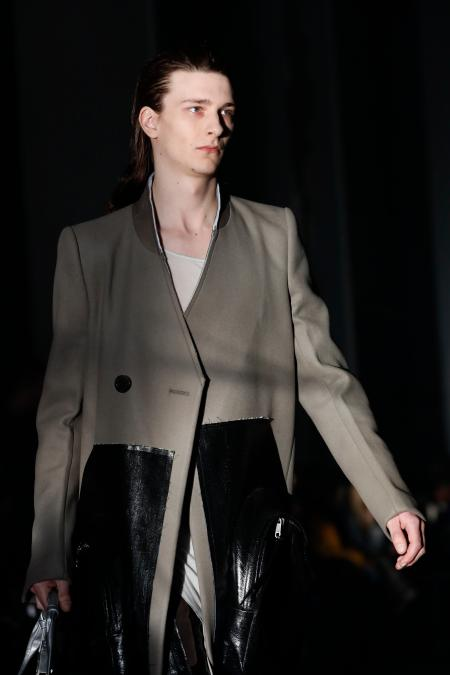 A model wears a creation for Rick Owens men's Fall/Winter 2019/20 fashion collection presented in Paris, Thursday Jan.17, 2019. (AP Photo/Christophe Ena)