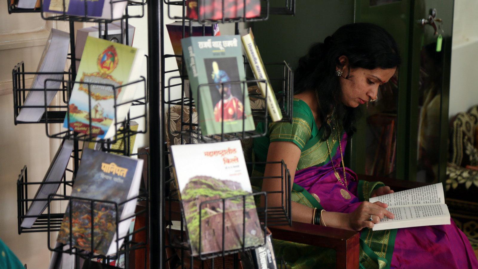 Sahitya Akademi to sell Tamil, Hindi books on Amazon India — Quartz