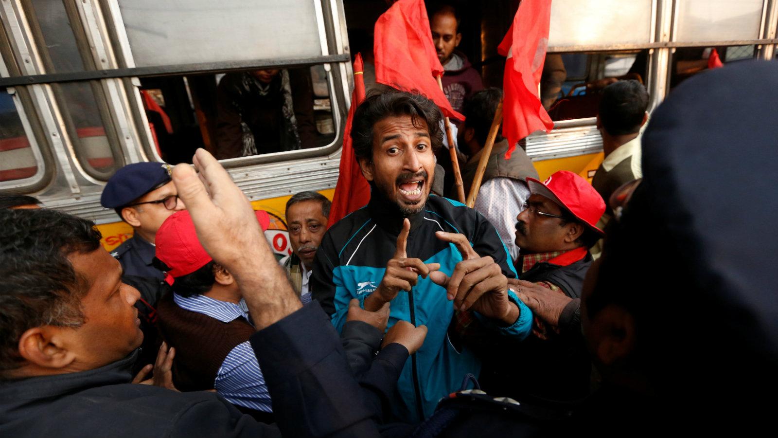 India-Kolkata-strike-workers