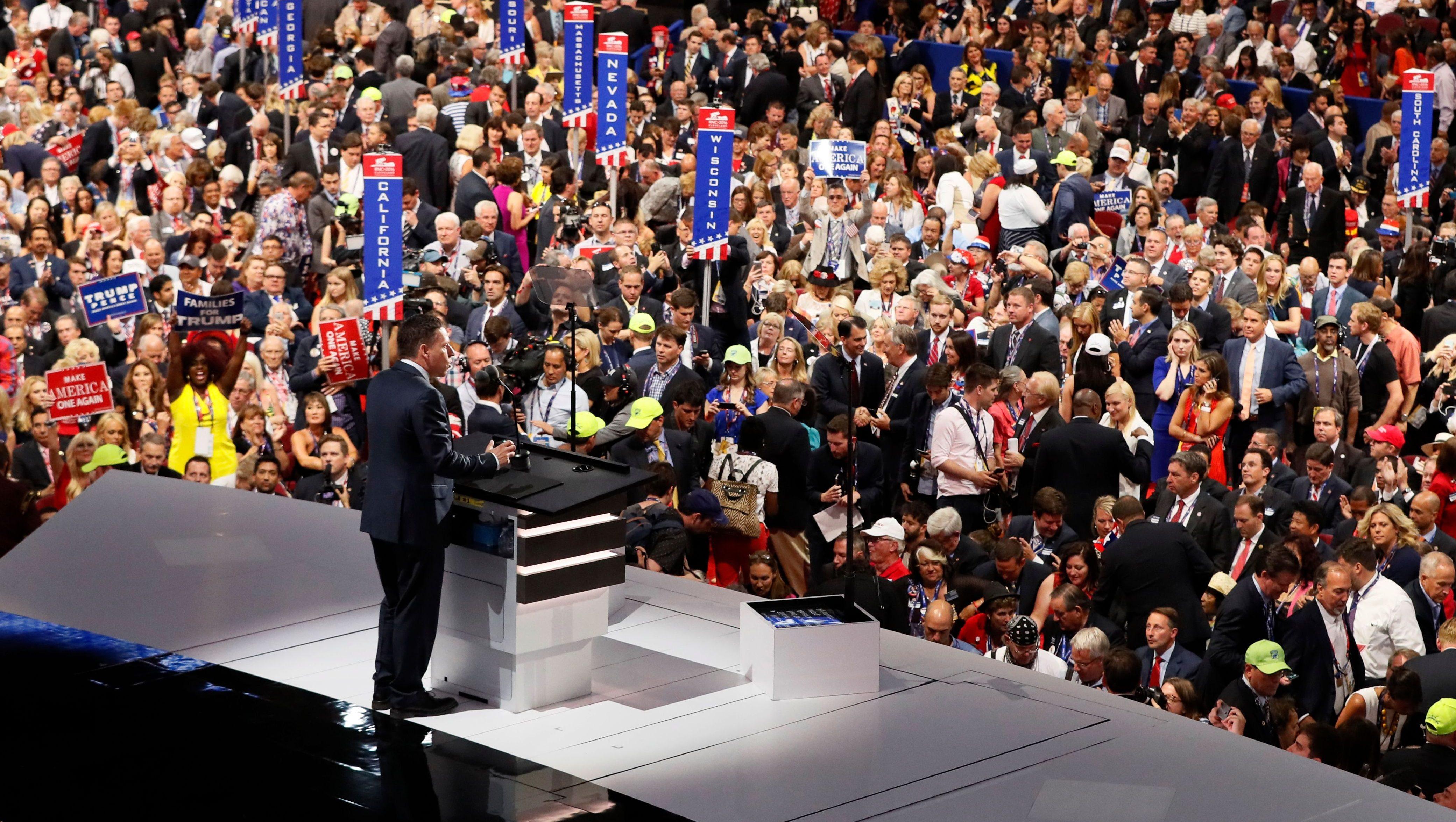 Tech entrepreneur Peter Thiel speaks at the Republican National Convention in Cleveland, Ohio, U.S. July 21, 2016. REUTERS/Rick Wilking - HT1EC7M03ZOA8