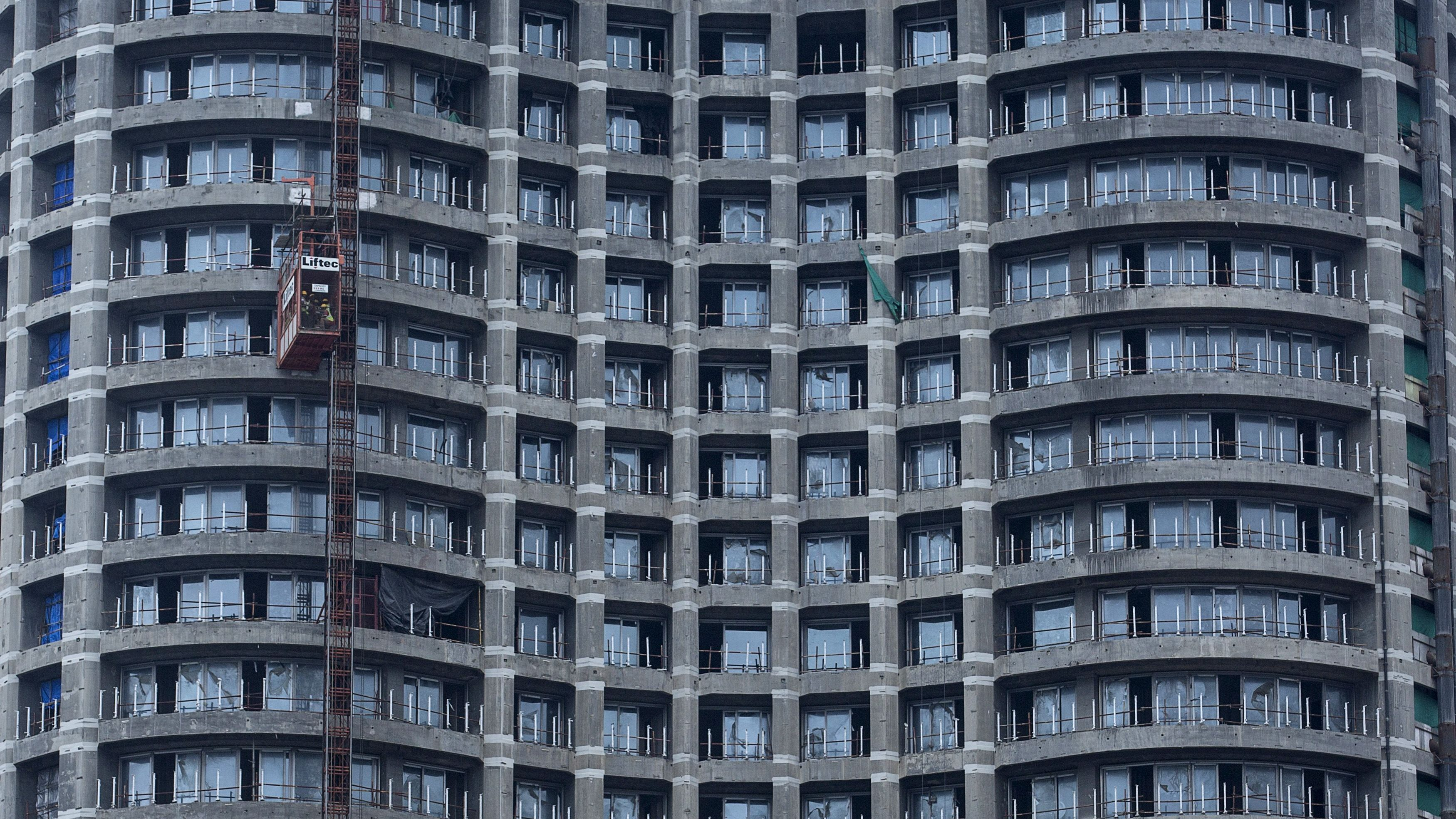 Wider Image: Renting in Mumbai Per Square Foot