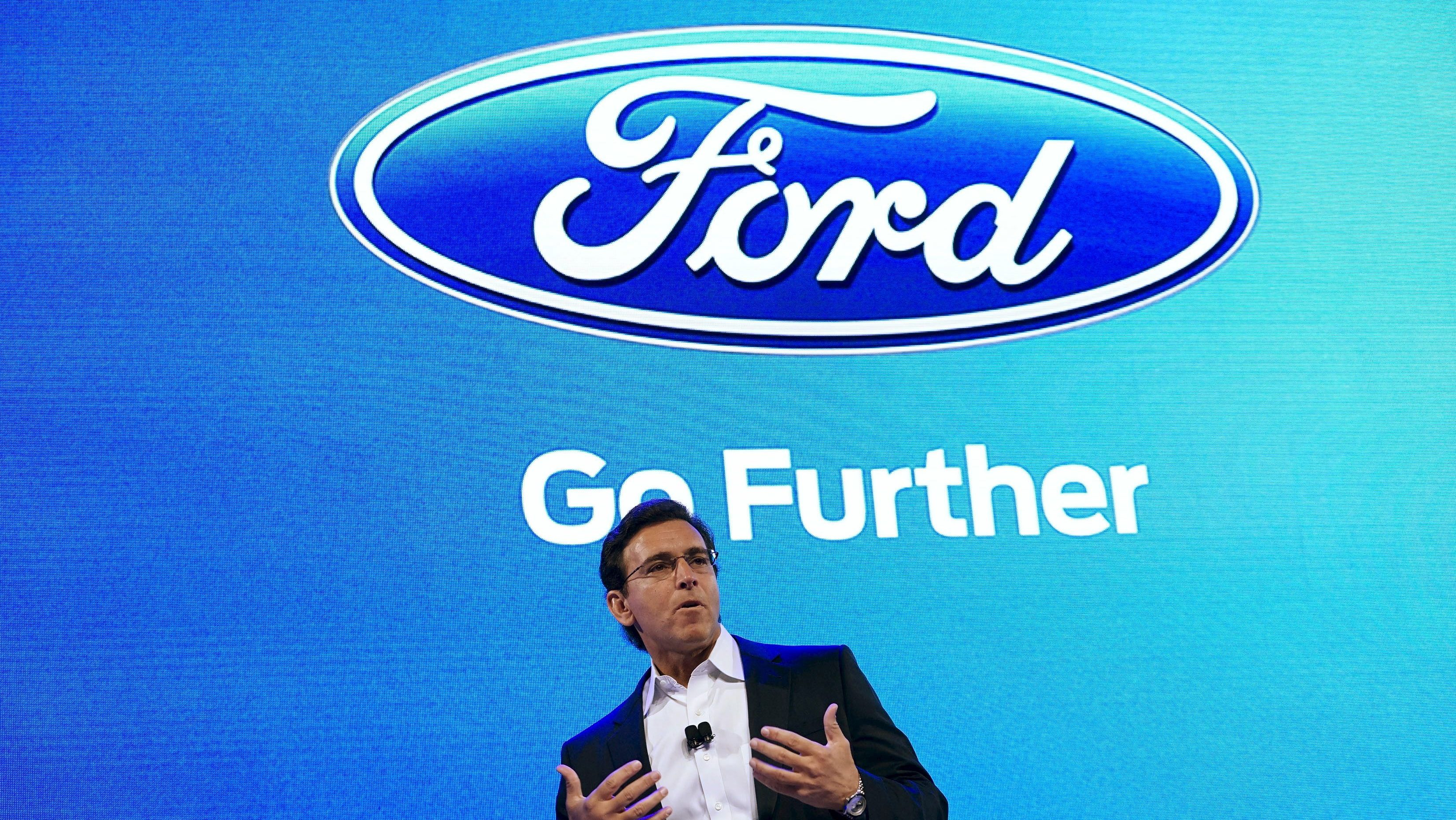 Ford Motor Co CEO Mark Fields speaks at the Ford press conference at the Consumer Electronics Show in Las Vegas, January 5, 2016. Ford said Tuesday it plans to triple to 30 the size of its fleet of self-driving test cars as part of an effort to accelerate autonomous vehicle development. REUTERS/Rick Wilking - GF10000283641