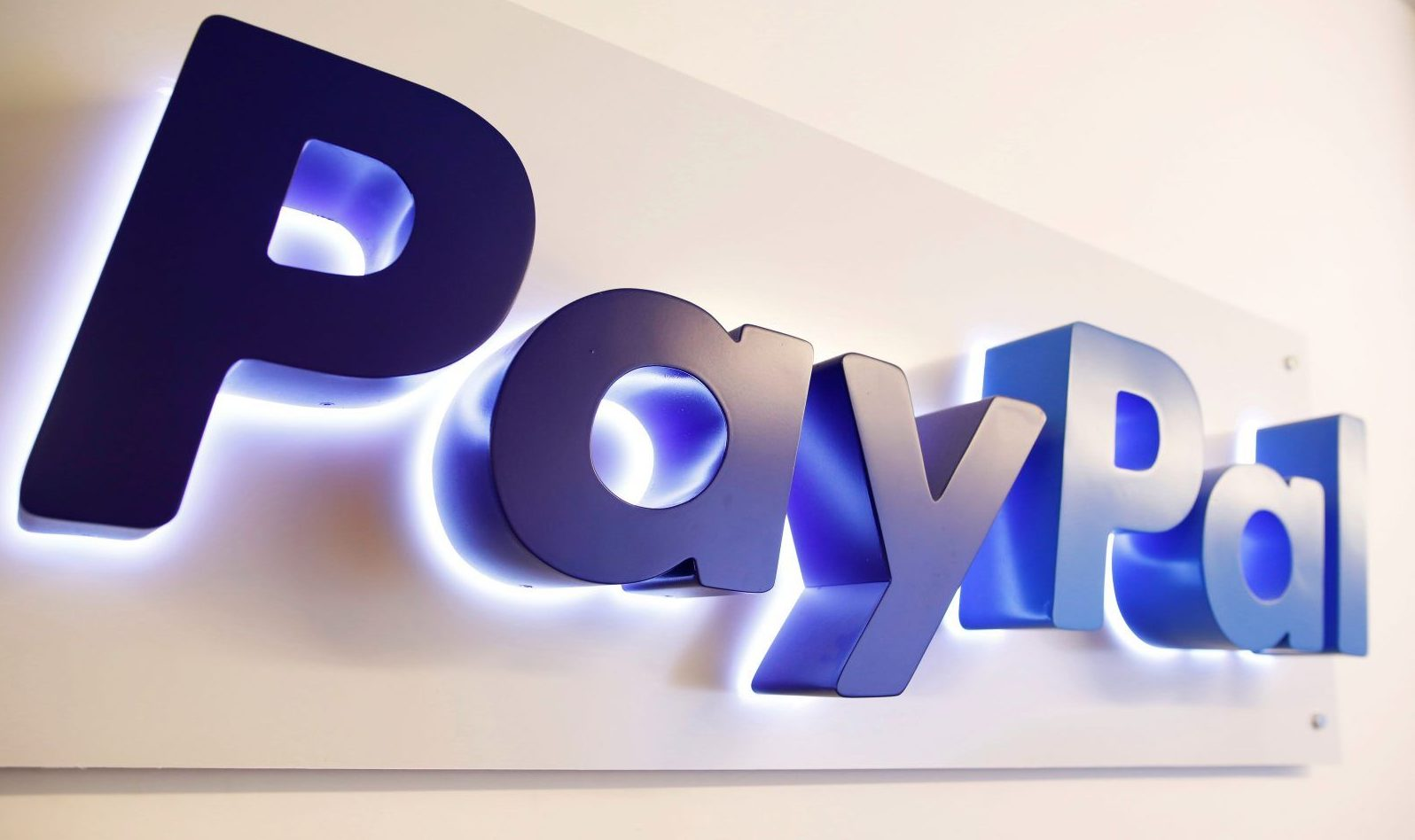 PayPal says Paytm, MobiKwik e-wallets may cease to exist in India