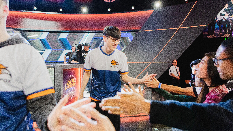 Photos: Inside the excitement of an esports tournament — Quartz