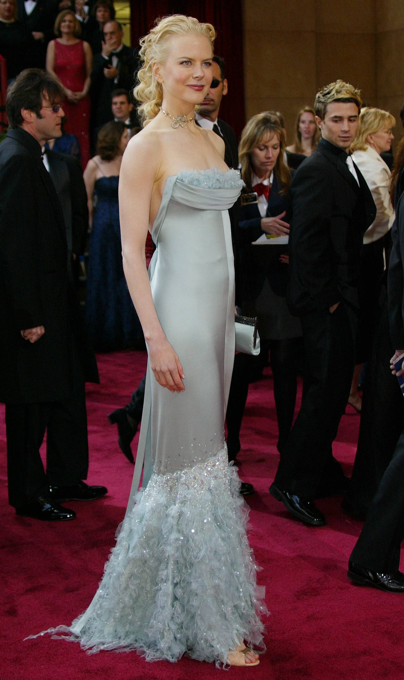 Actress Nicole Kidman arrives for the 76th annual Academy Awards at the Kodak Theatre in Hollywood, California February 29, 2004. Kidman is presenting an award during the Academy Awards ceremony. REUTERS/Eric Gaillard KW/MA - RP4DRIBDQUAA