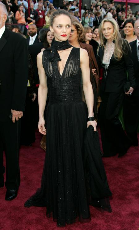 French actress Vanessa Paradis arrives to the 77th annual Academy Awards in Hollywood, February 27, 2005. REUTERS/Lucy Nicholson MMR - RP5DRIHQHHAA