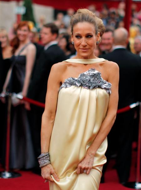 Actress Sarah Jessica Parker arrives at the 82nd Academy Awards in Hollywood March 7, 2010. REUTERS/Brian Snyder (UNITED STATES) (OSCARS-ARRIVALS - Tags: ENTERTAINMENT) - GM1E6380V8Y01