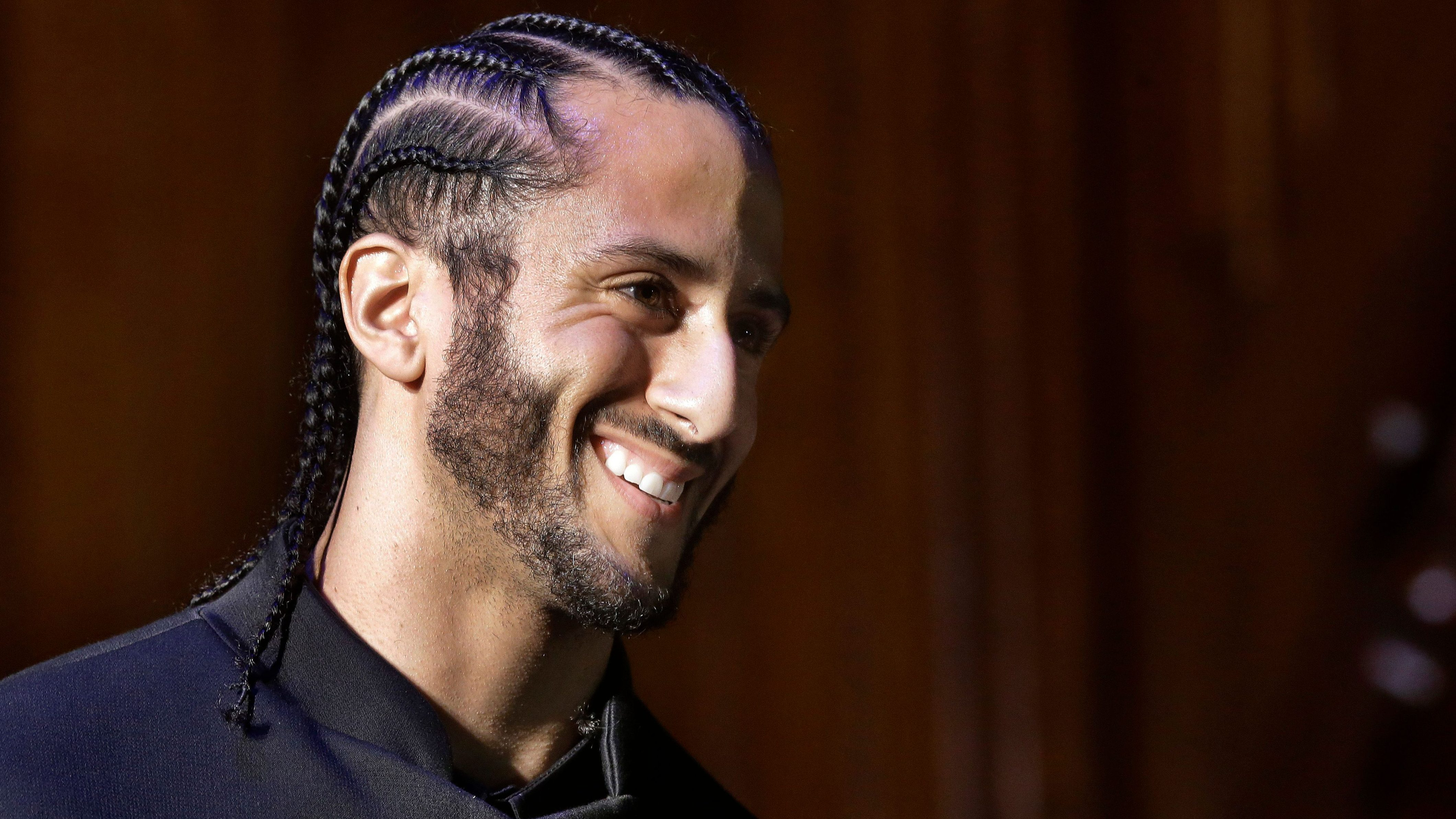 Colin Kaepernick settles with the nfl