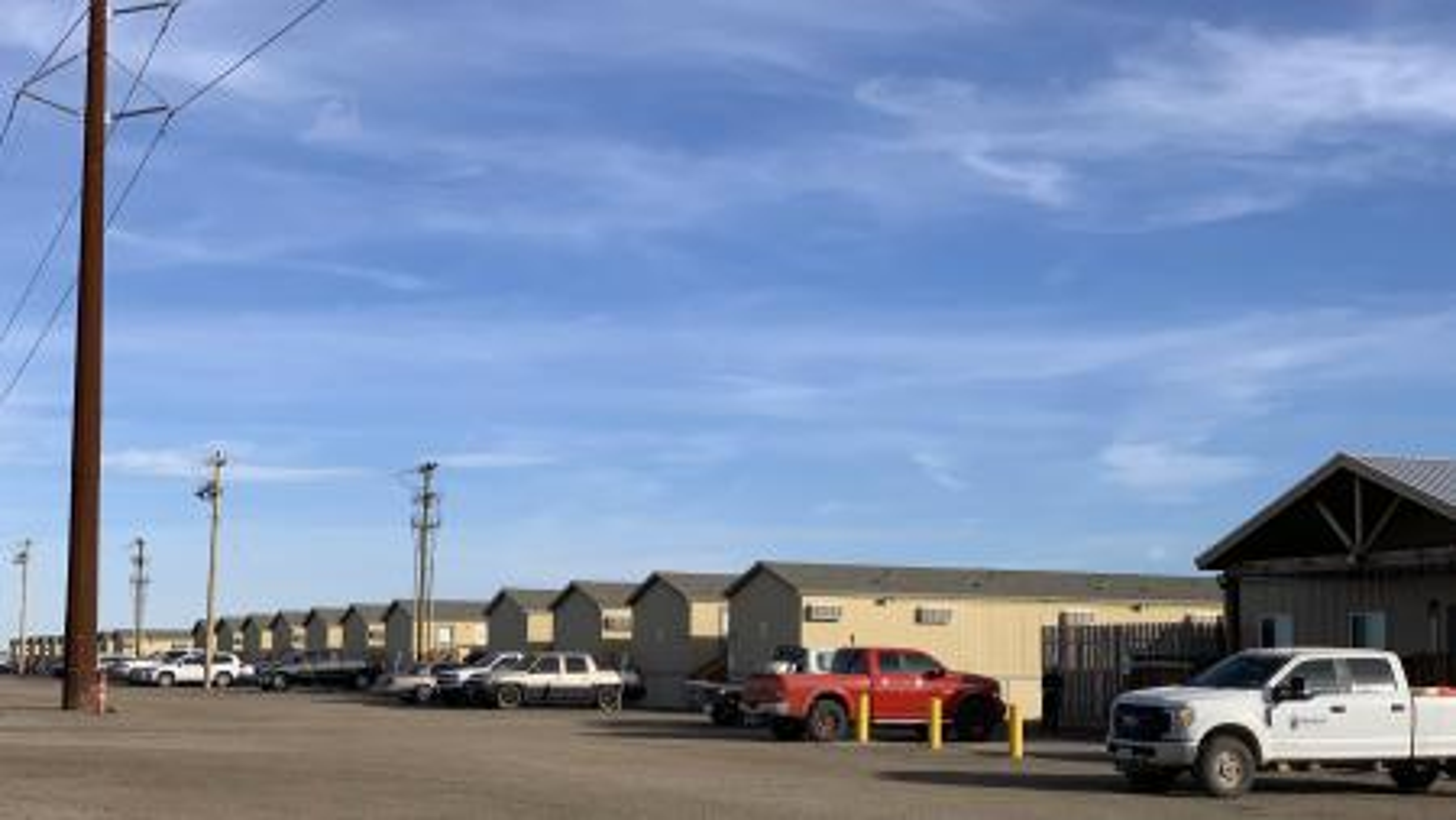 Entrepreneurs thrive on US Highway 285 amid Permian fracking