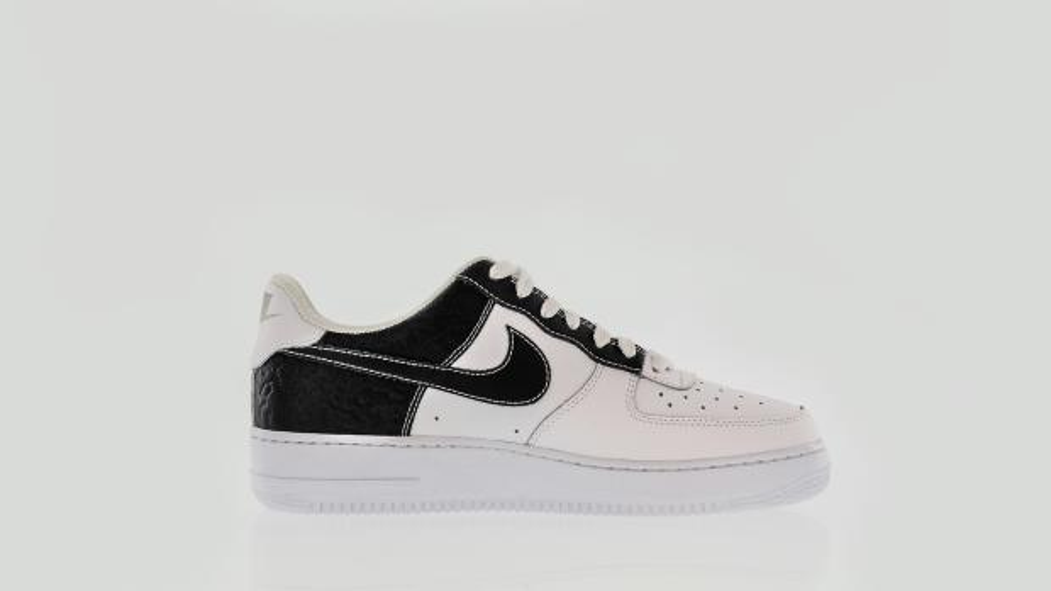 4b26b5a17b06 10. Nike Air Force 1 low
