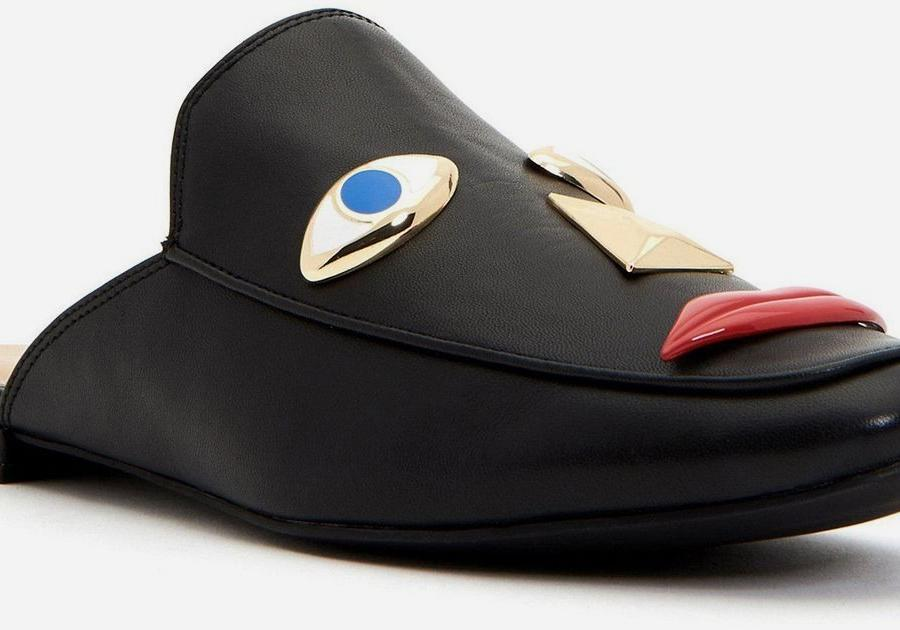 d70c050d121 Katy Perry s blackface shoes are the latest misstep in racist fashion —  Quartzy