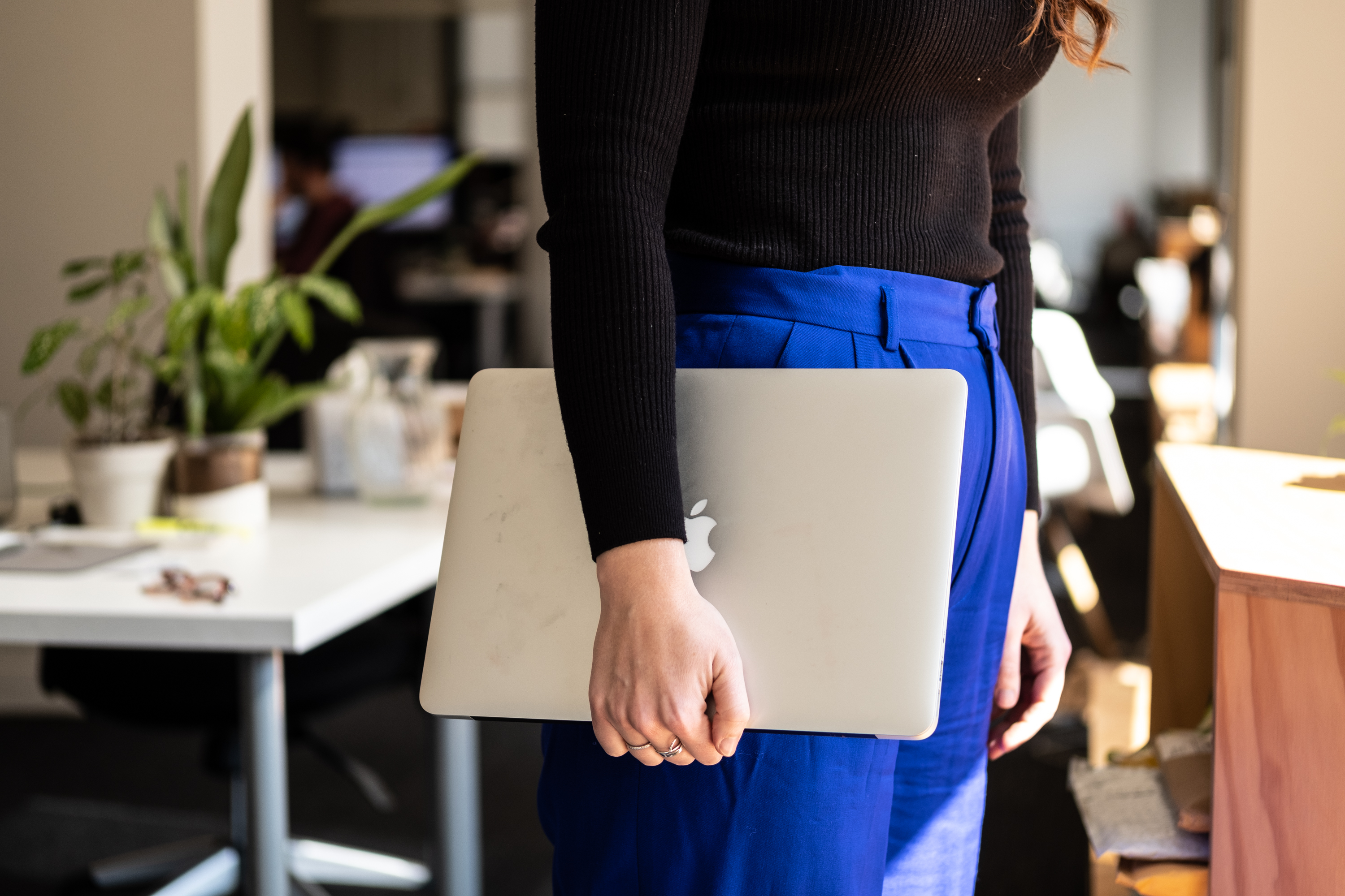 laptop holding positions—the clutch