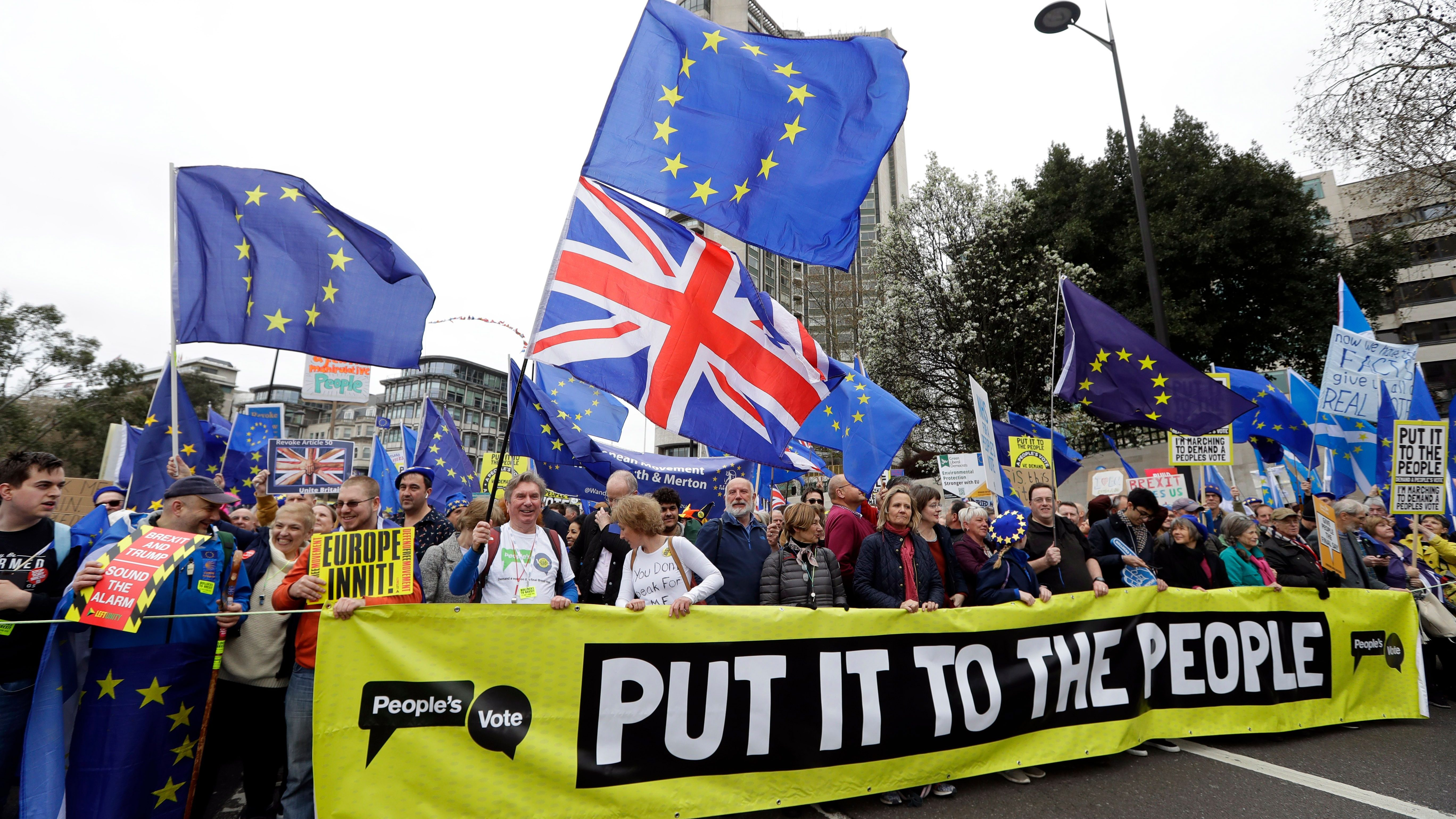 A group of people marching to have a final say on the Brexit