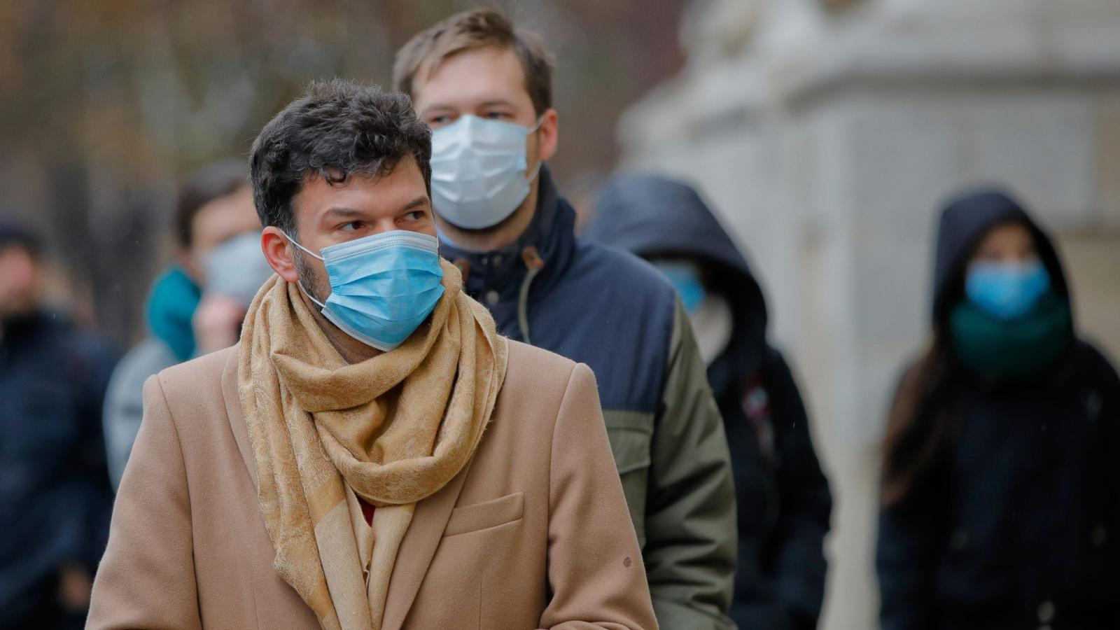 Years Air Pollution By European Reduces Average — Lives Of 2 Quartz An