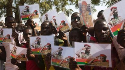 Thomas Sankara statue unveiled in Burkina Faso