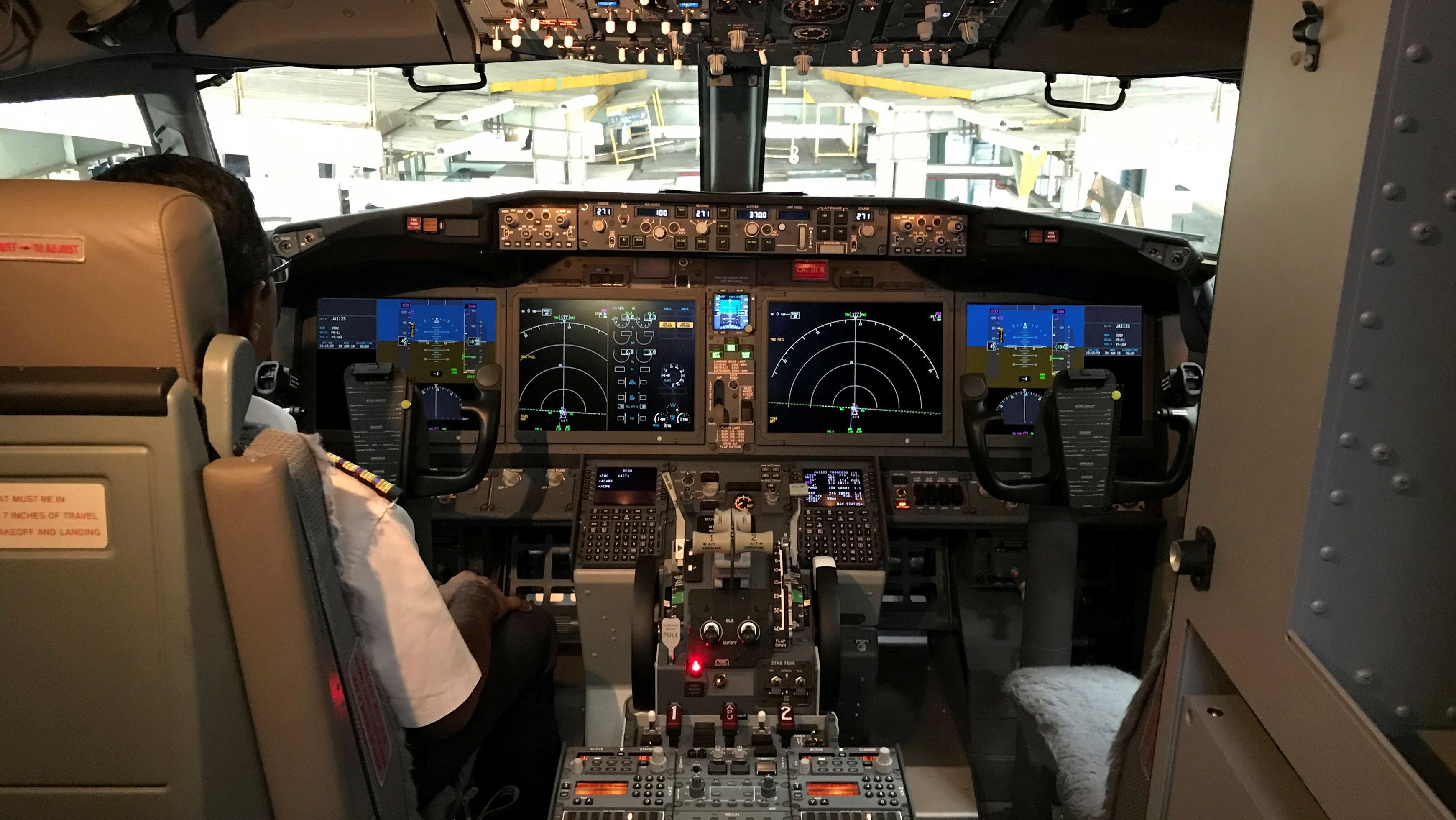 Boeing 737 Max: What happened when one US pilot asked for more