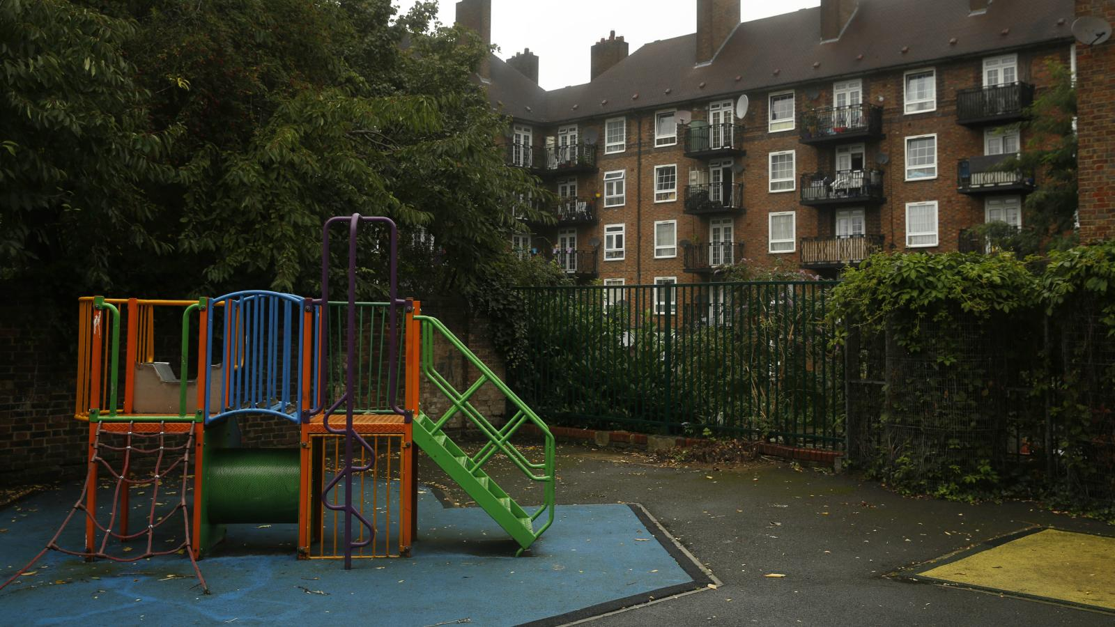 In Britains Playgrounds Bringing In >> A Segregated London Playground Is Igniting Outrage Over Inequality