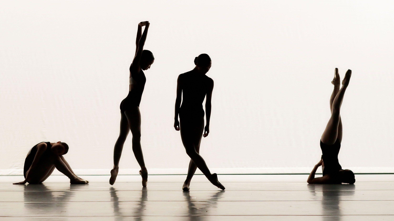 ballerinas silhouettes