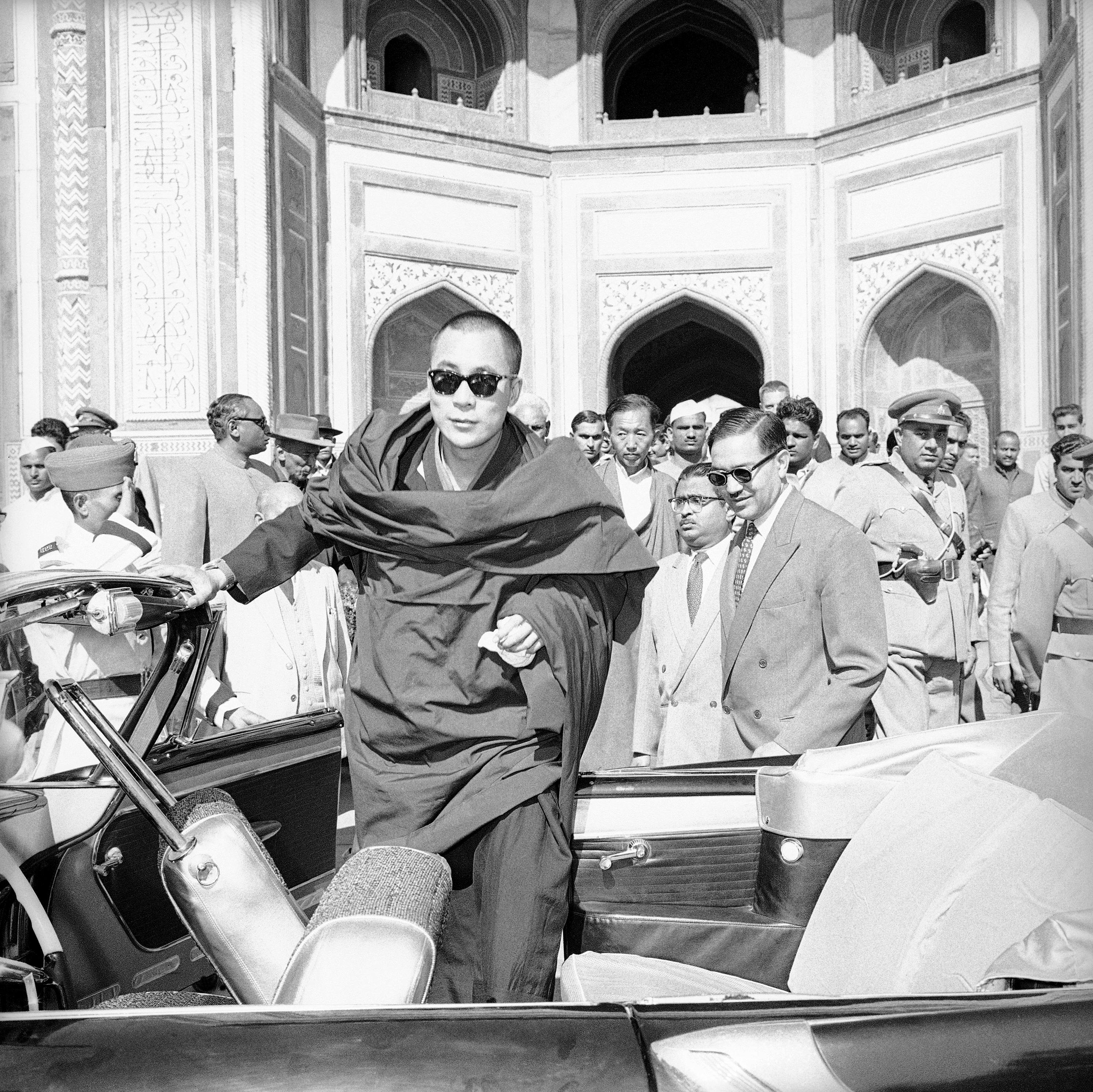 Dalai Lama at Taj Mahal