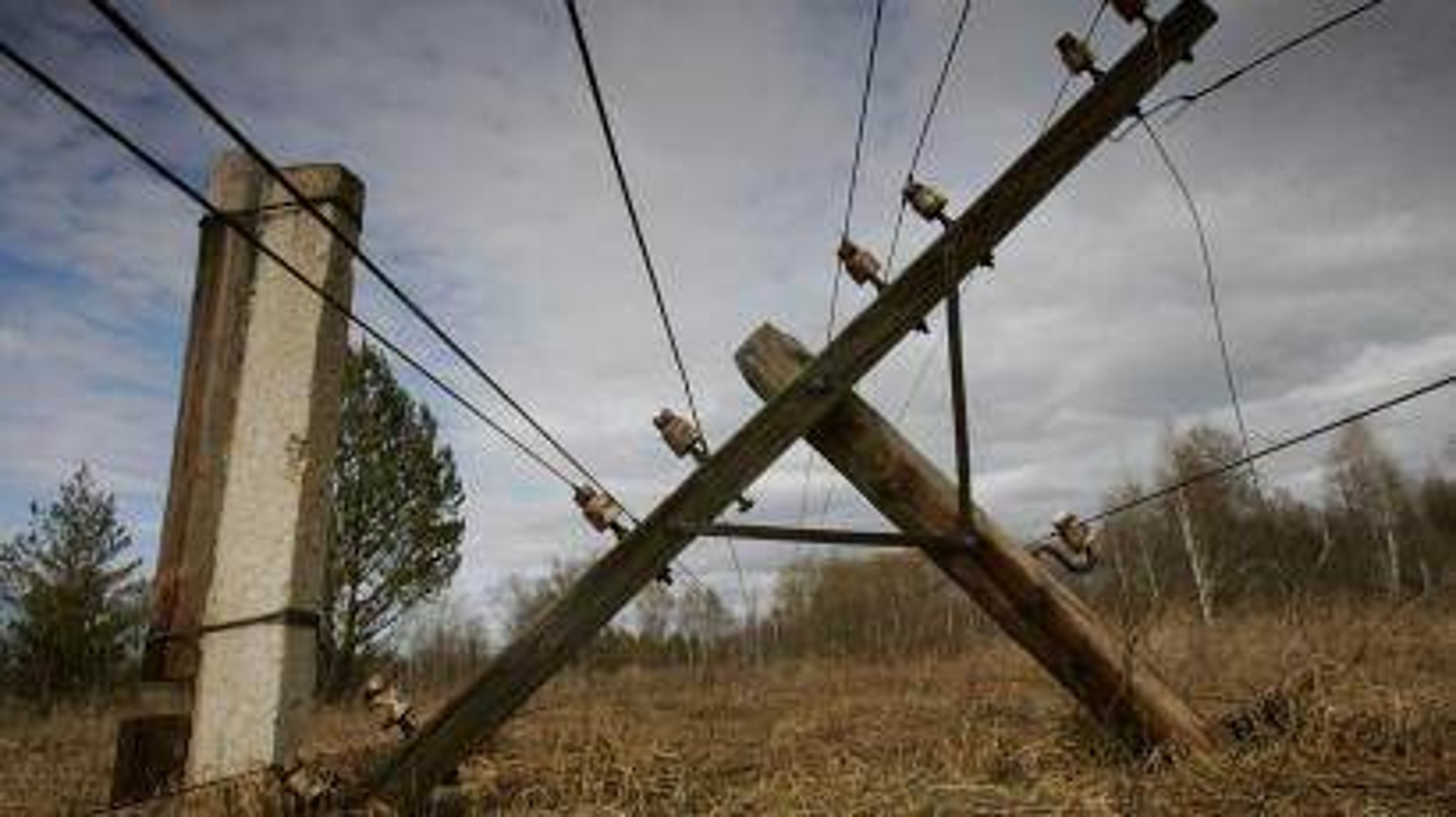 Broken telegraph pole