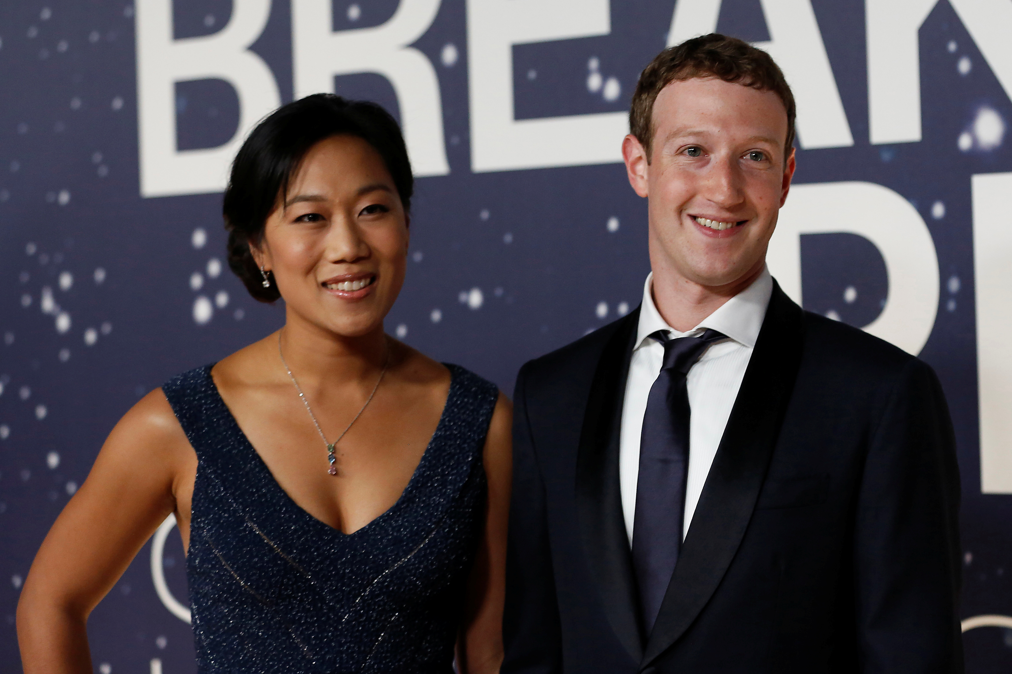 Mark Zuckerberg built Priscilla Chan a screen-free bedside