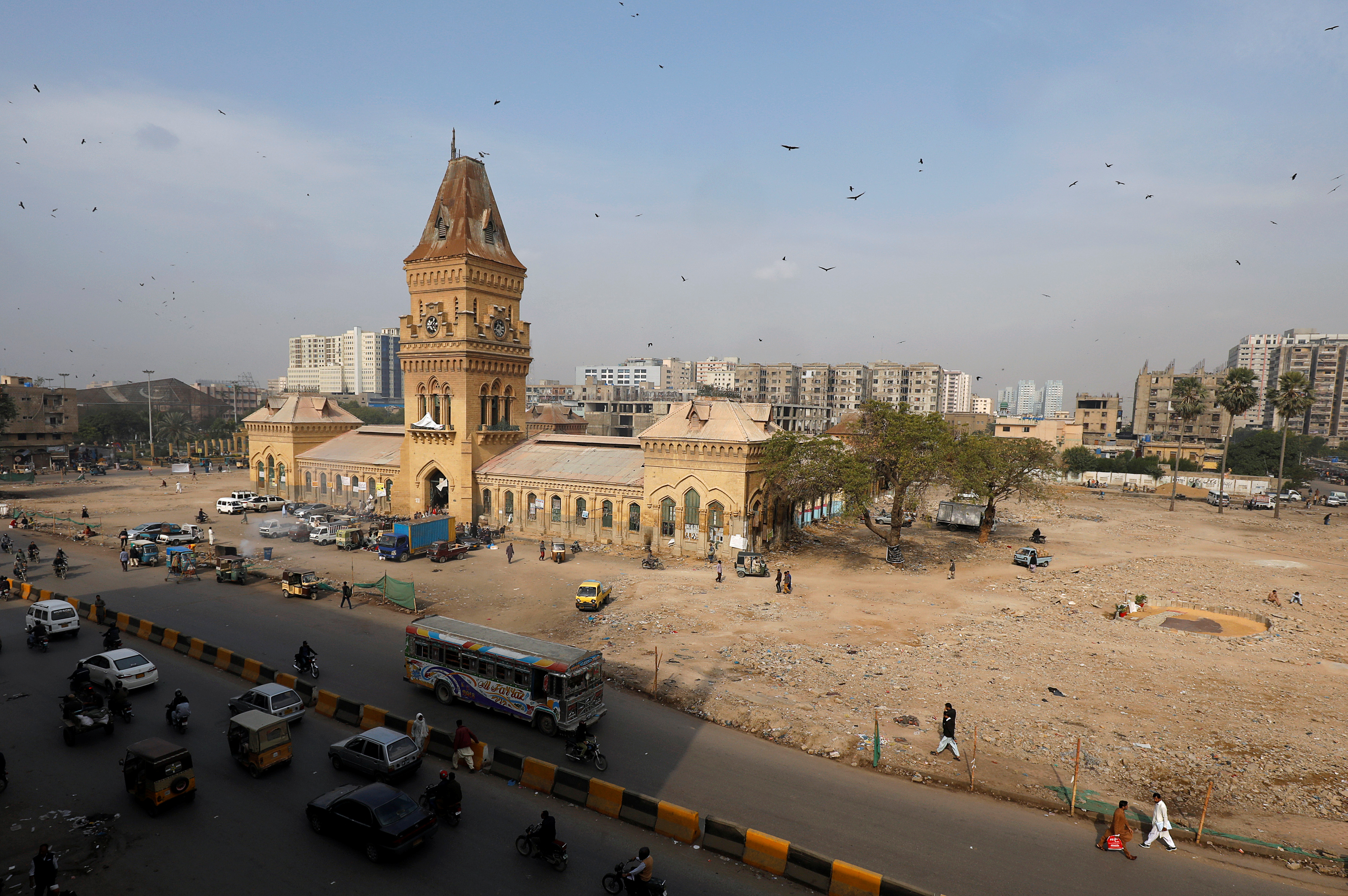 Inside Karachi, the heart of Pakistan's shaky economy