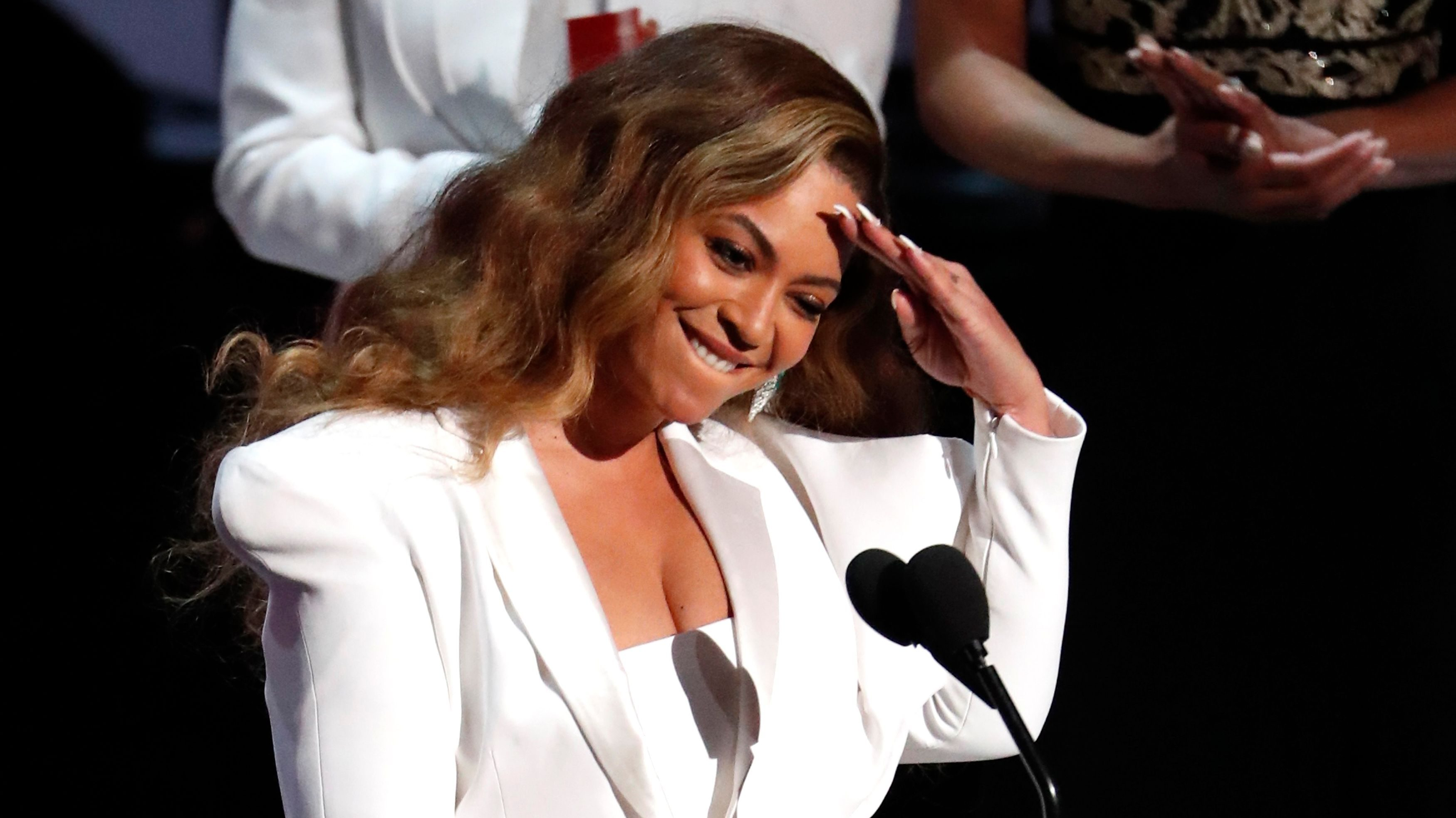 50th NAACP Image Awards - Show - Los Angeles, California, U.S., March 30, 2019 - Beyonce reacts after winning the entertainer of the year award. REUTERS/Mario Anzuoni - HP1EF3V0ALJ39