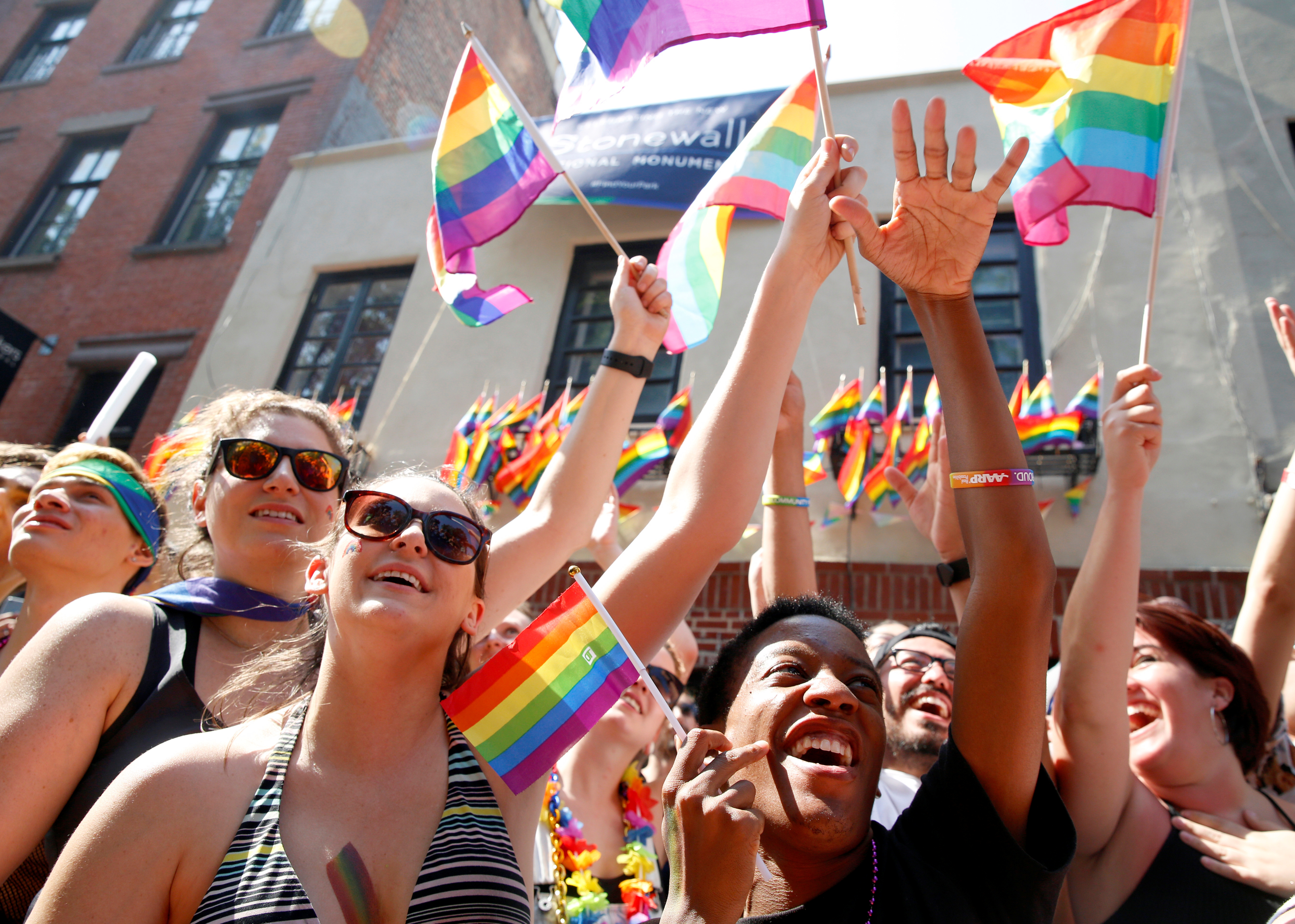 qz.com - Sangeeta Singh-Kurtz - The rise in Americans saying they are bisexual is driven by women