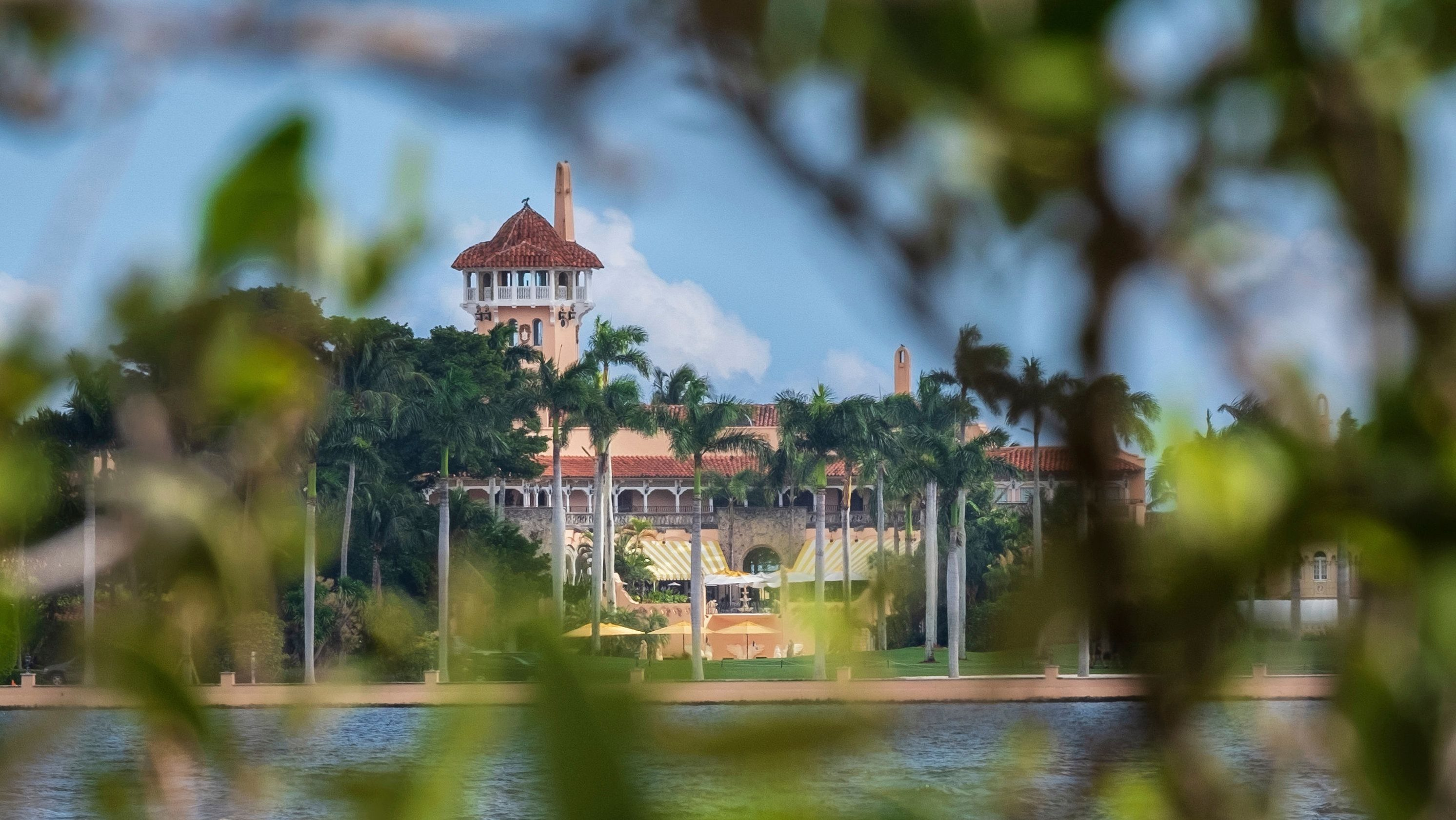 Why Trumps Mar-a-Lago resort is a haven for foreign spies