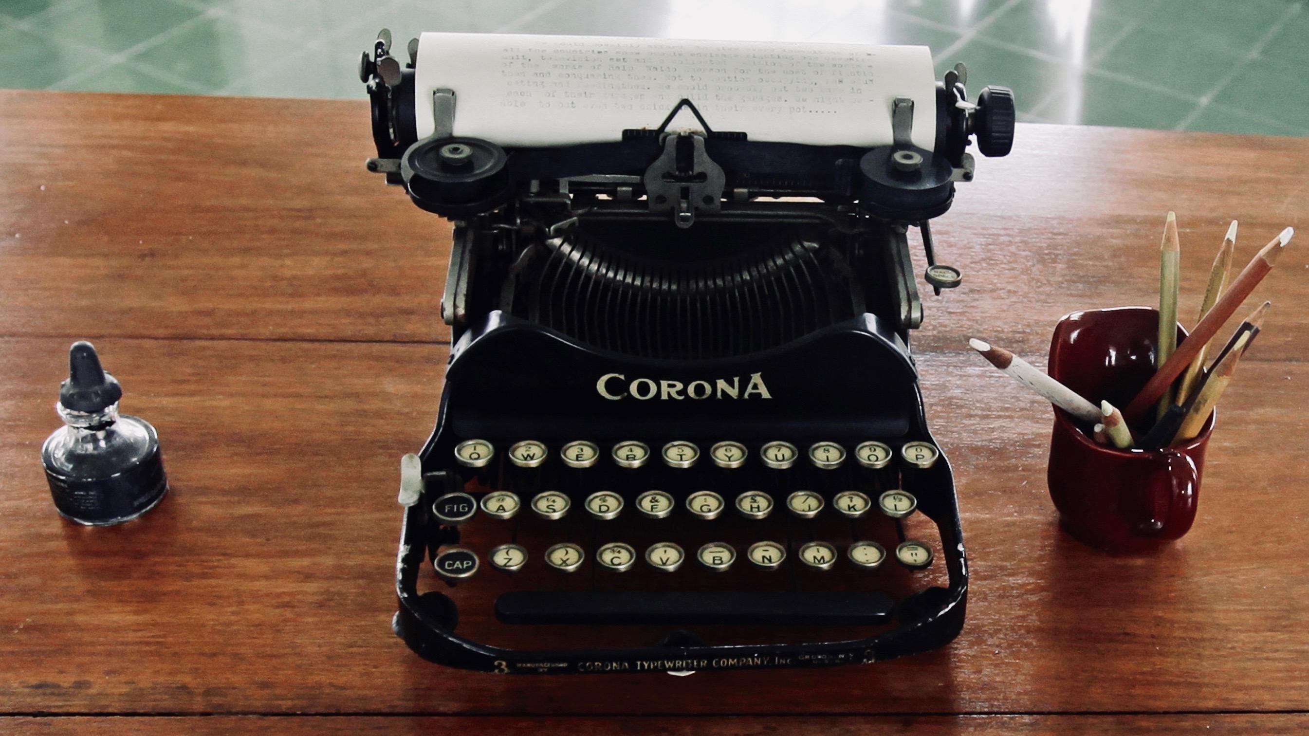 Ernest Hemingway's typewriter and pencils.