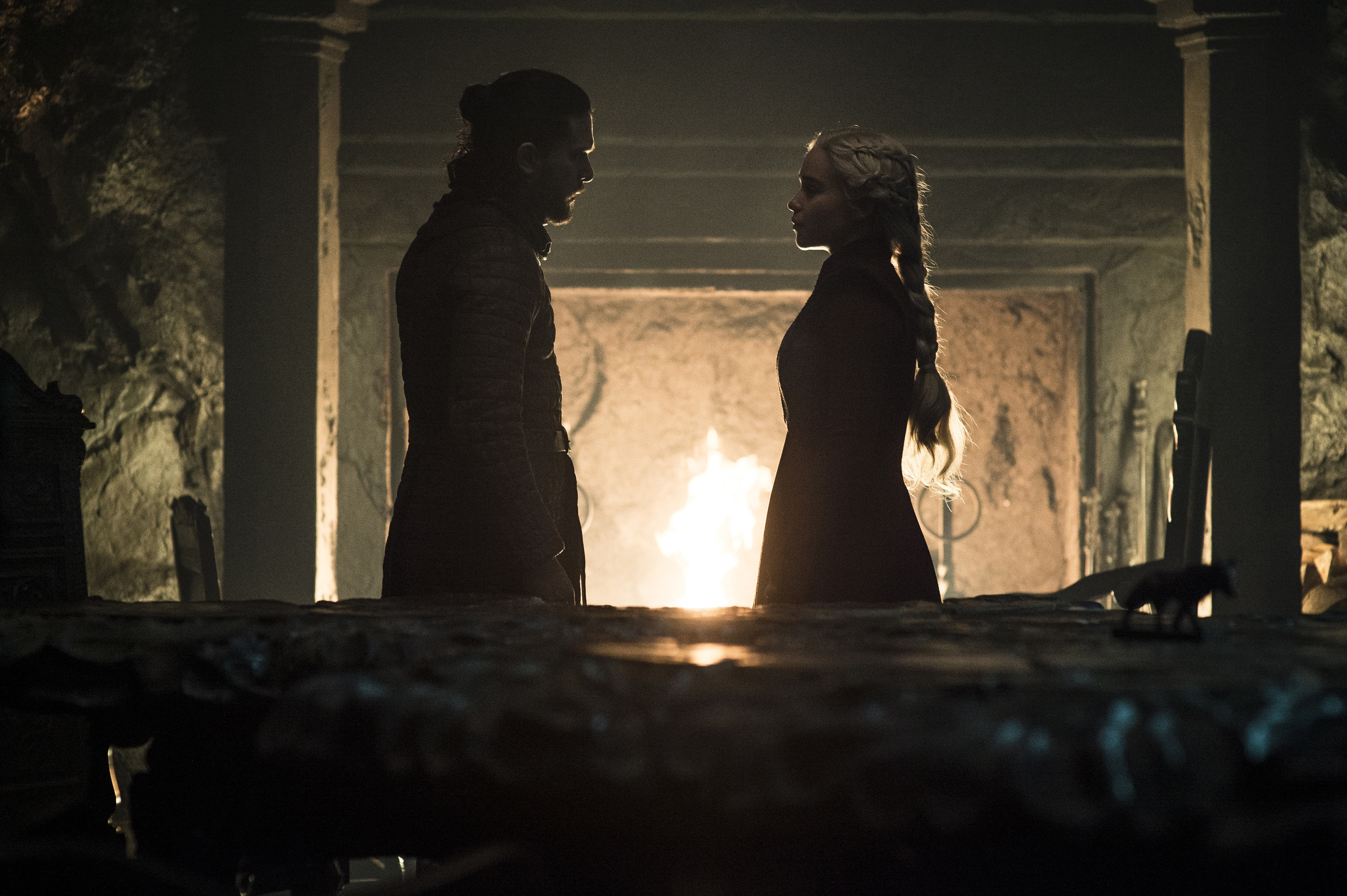 Jon and Dany stare into each others eyes