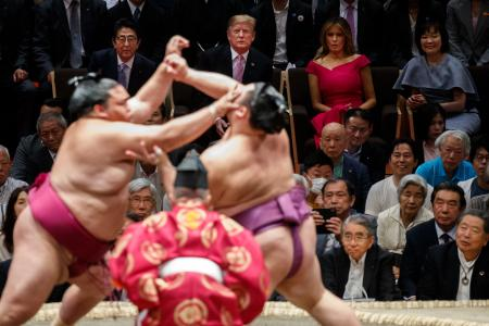 Trump-watching-sumo-Japan-May-2019