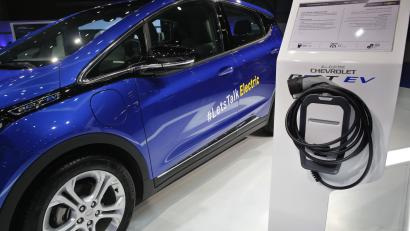 By 2038 The World Will More Penger Electric Vehicles Than Fossil Fuel Cars