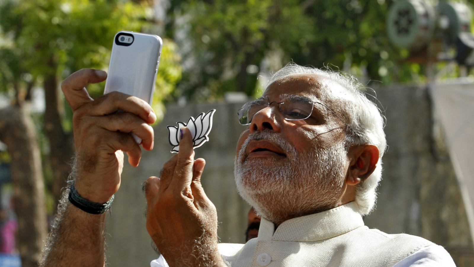 Modi's Twitter strategy of following common Indians worked — Quartz
