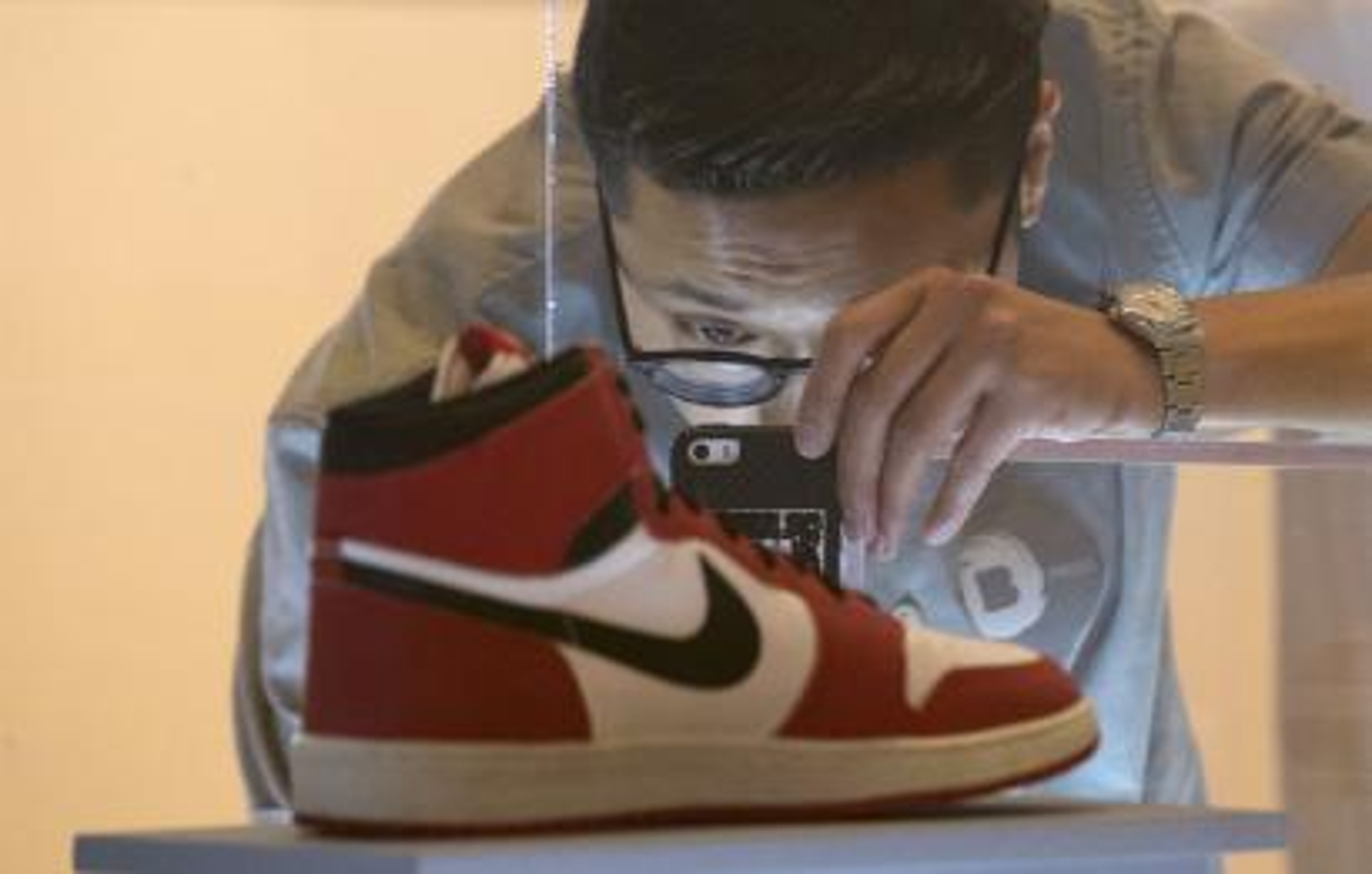 desvanecerse Oficial Suelto  Nike's Jordan brand just had its first billion-dollar quarter — Quartz