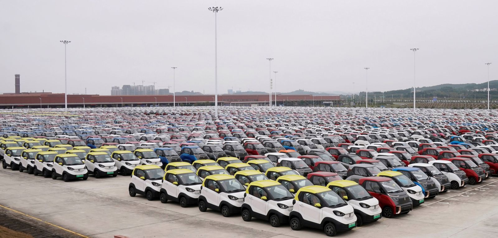 qz.com - Michael J. Coren - Researchers have no idea when electric cars are going to take over