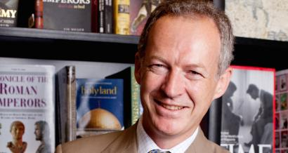James Daunt, who runs Waterstones, is the new CEO at Barnes & Noble.
