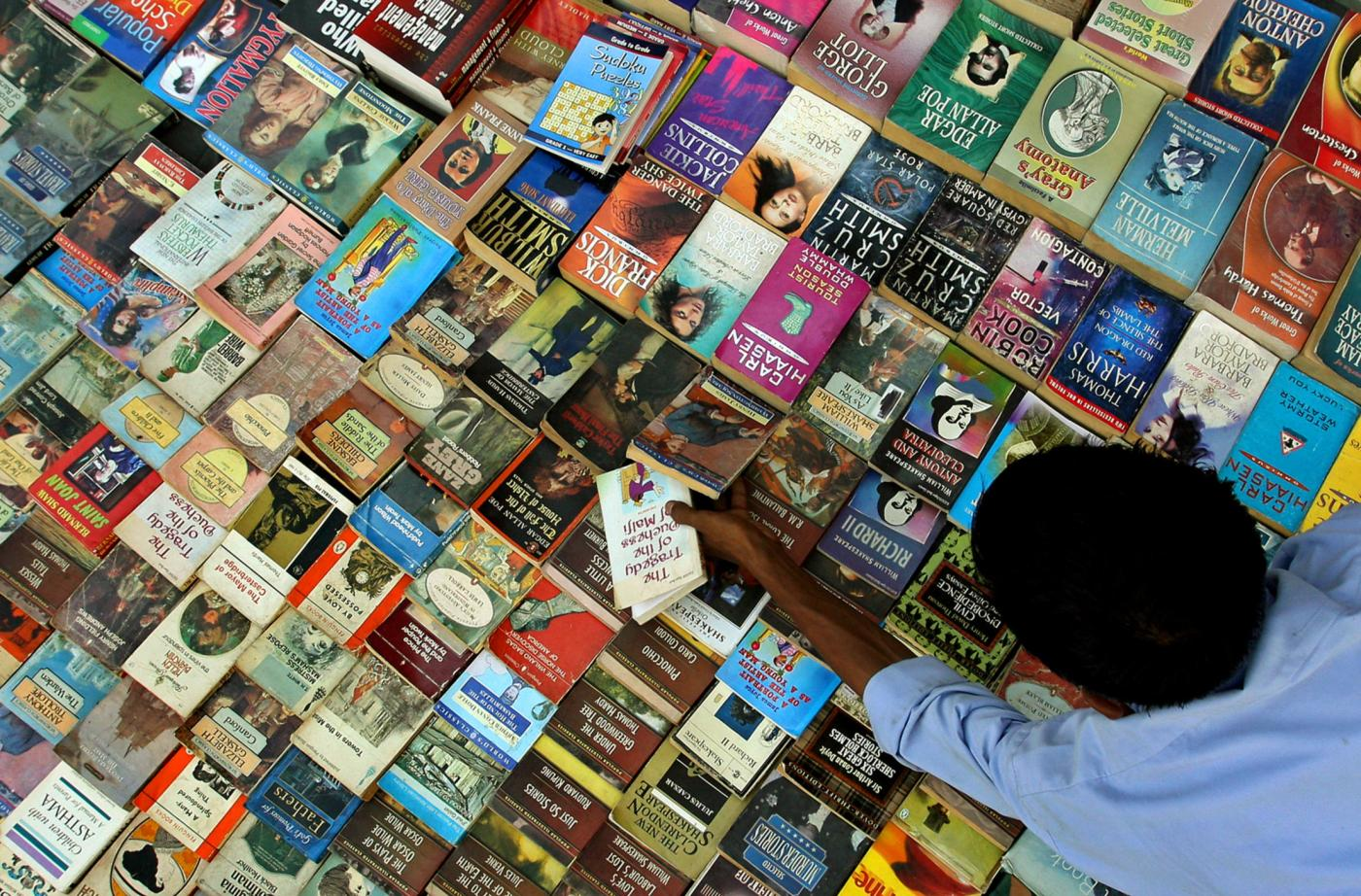 """Picking a """"destination novel"""" is the secret to great summer reading"""