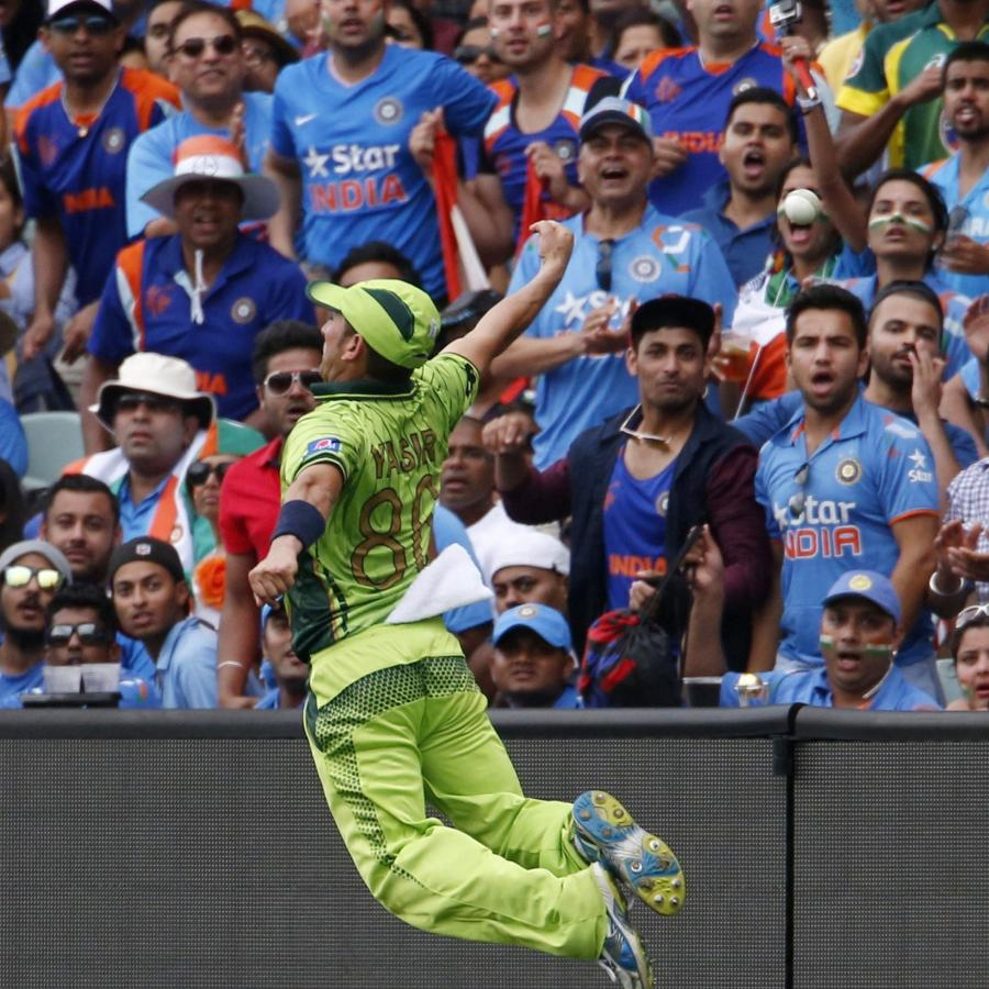 "Say ""cheers"" to the India, Pakistan national teams in World Cup"