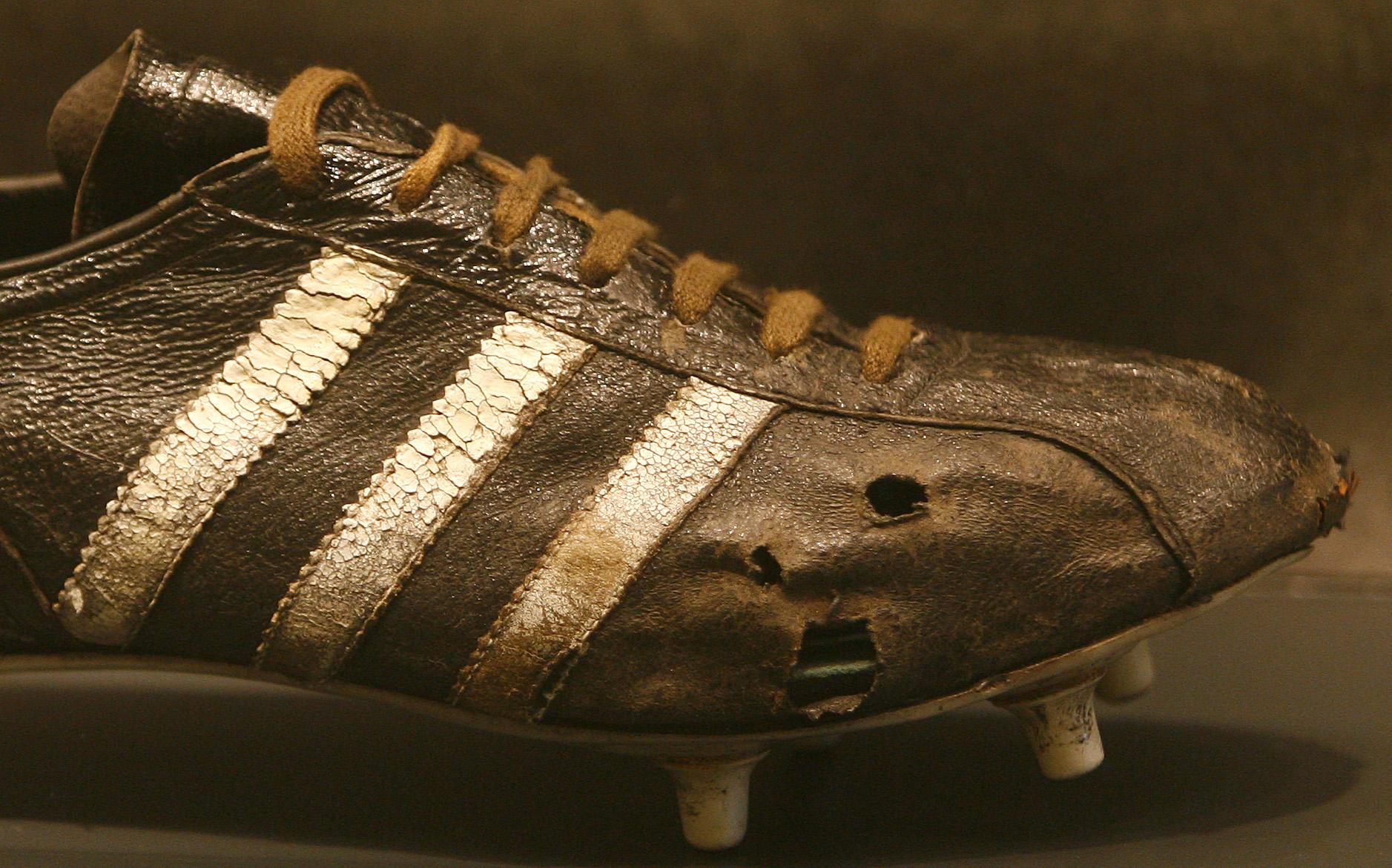 6a4ad575d3 Adidas has sued pretty much everyone who has used stripes — Quartzy